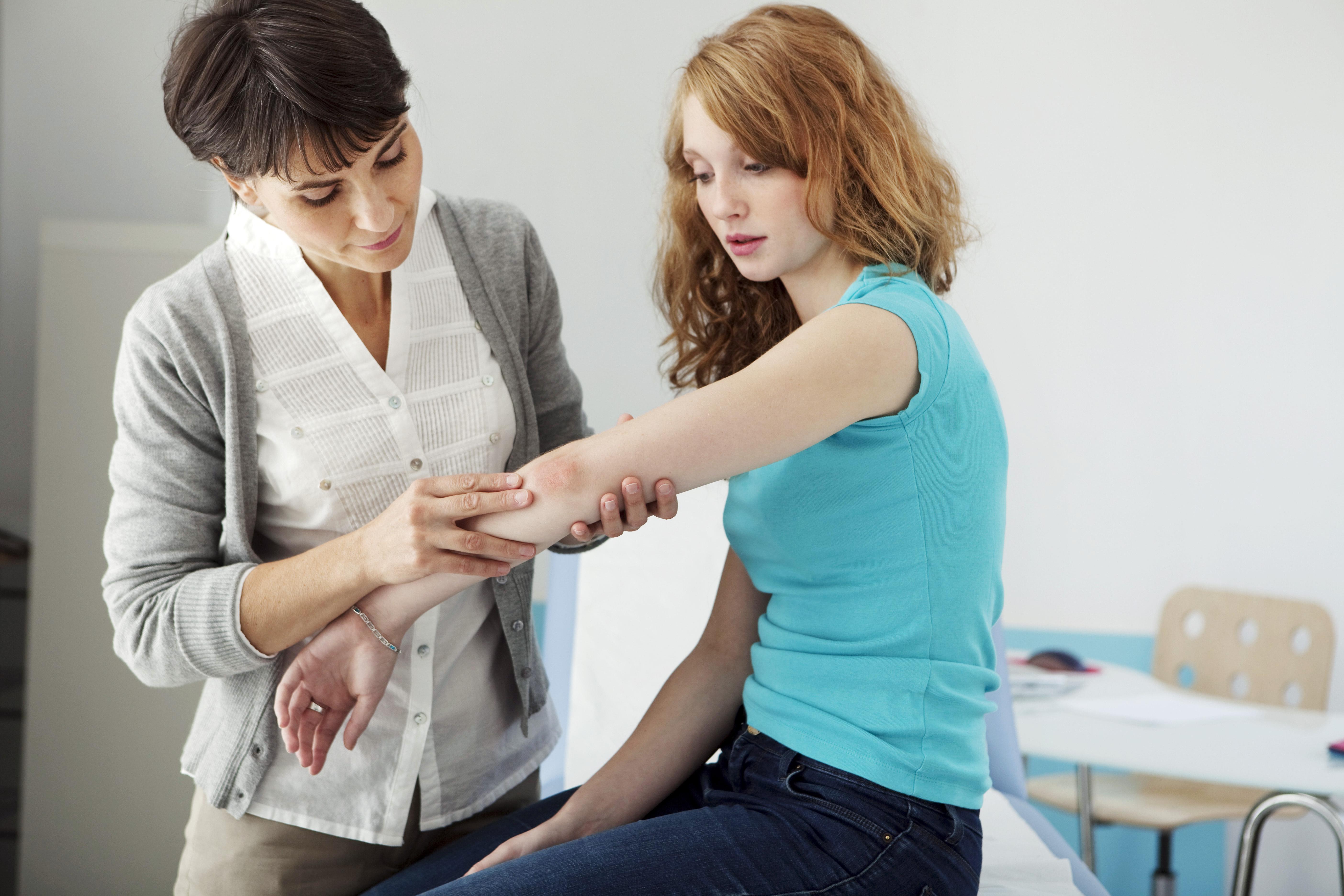De nationella riktlinjerna för psoriasisvård bör gälla över hela landet för att fungera menar bland annat Psoriasisförbundet.