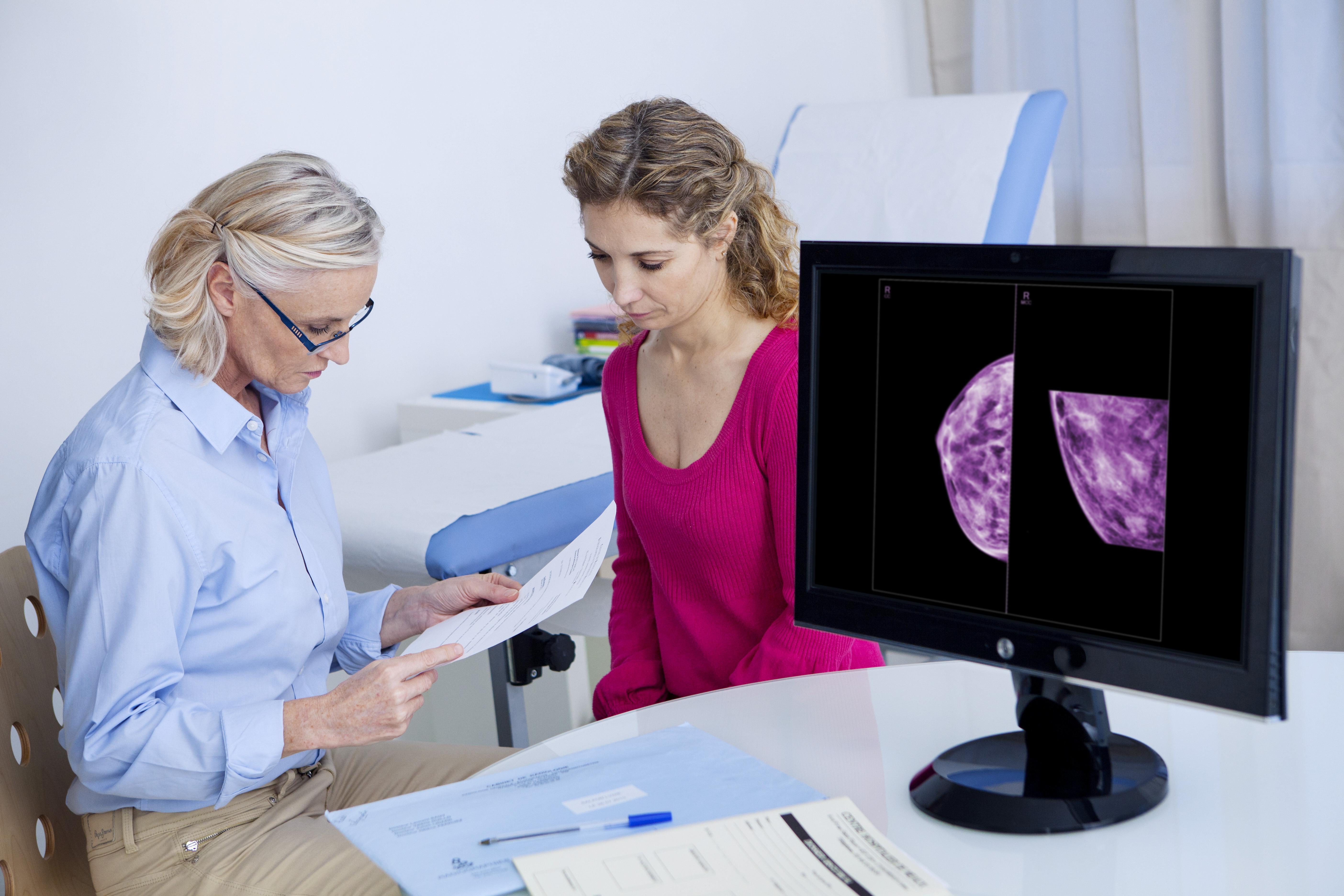 Mer än var fjärdedel av all cancer hos kvinnor är bröstcancer. Ungefär 15 till 20 kvinnor insjuknar varje dag i Sverige.