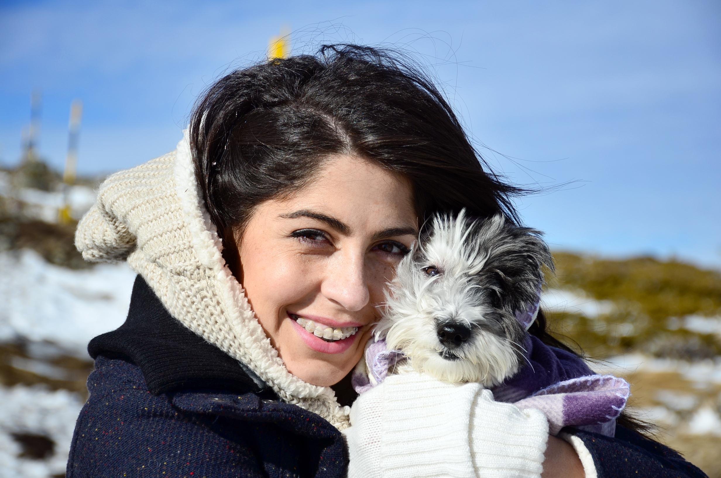 I den aktuella studien såg man till skillnad från tidigare studier en ökning av hormonet oxytocin hos hundägare och hunden vid samma tillfälle.