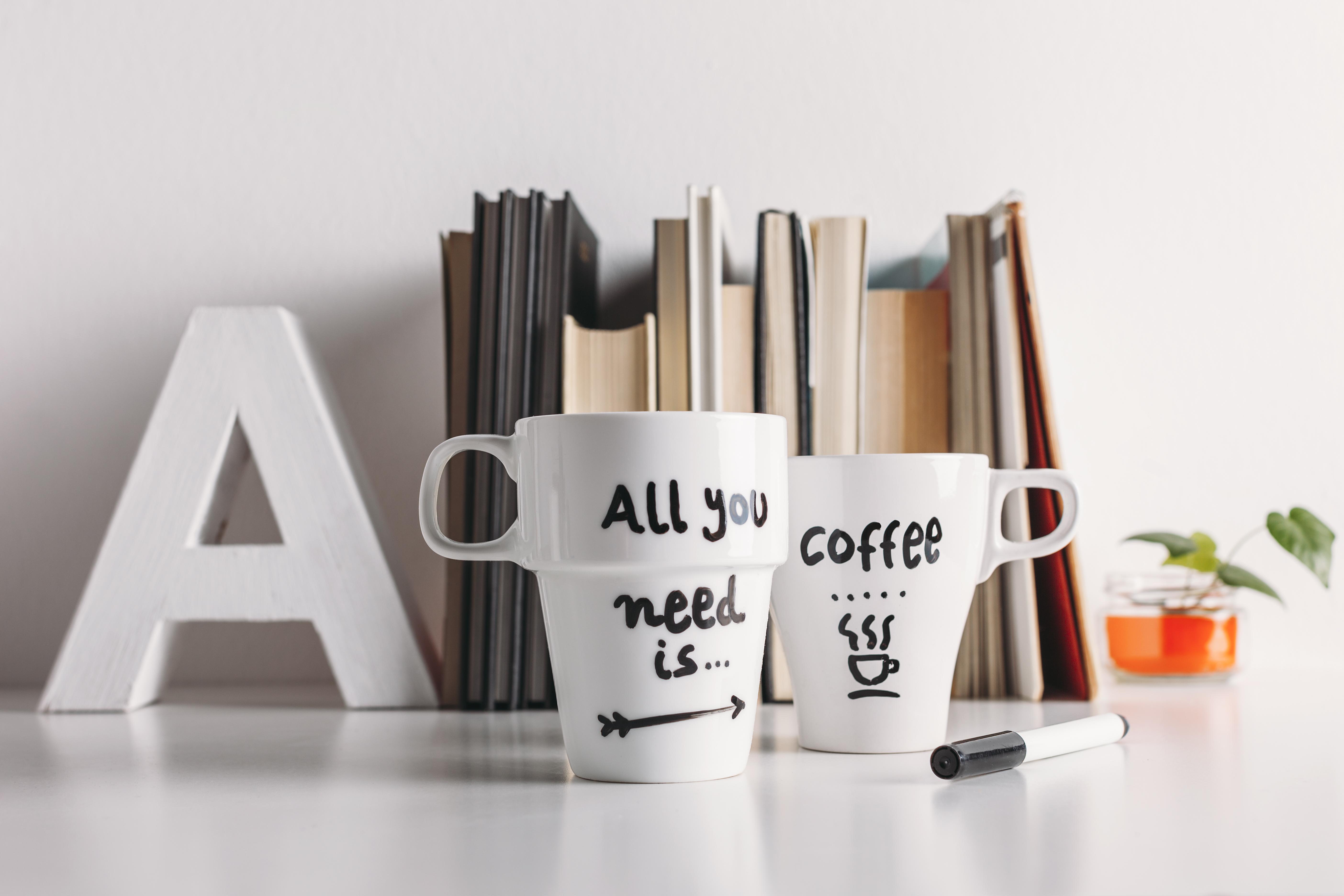 """""""All you need is coffee"""" som det står på kopparna kanske till viss del är sant då kaffe verkar ha flera olika hälsofördelar."""