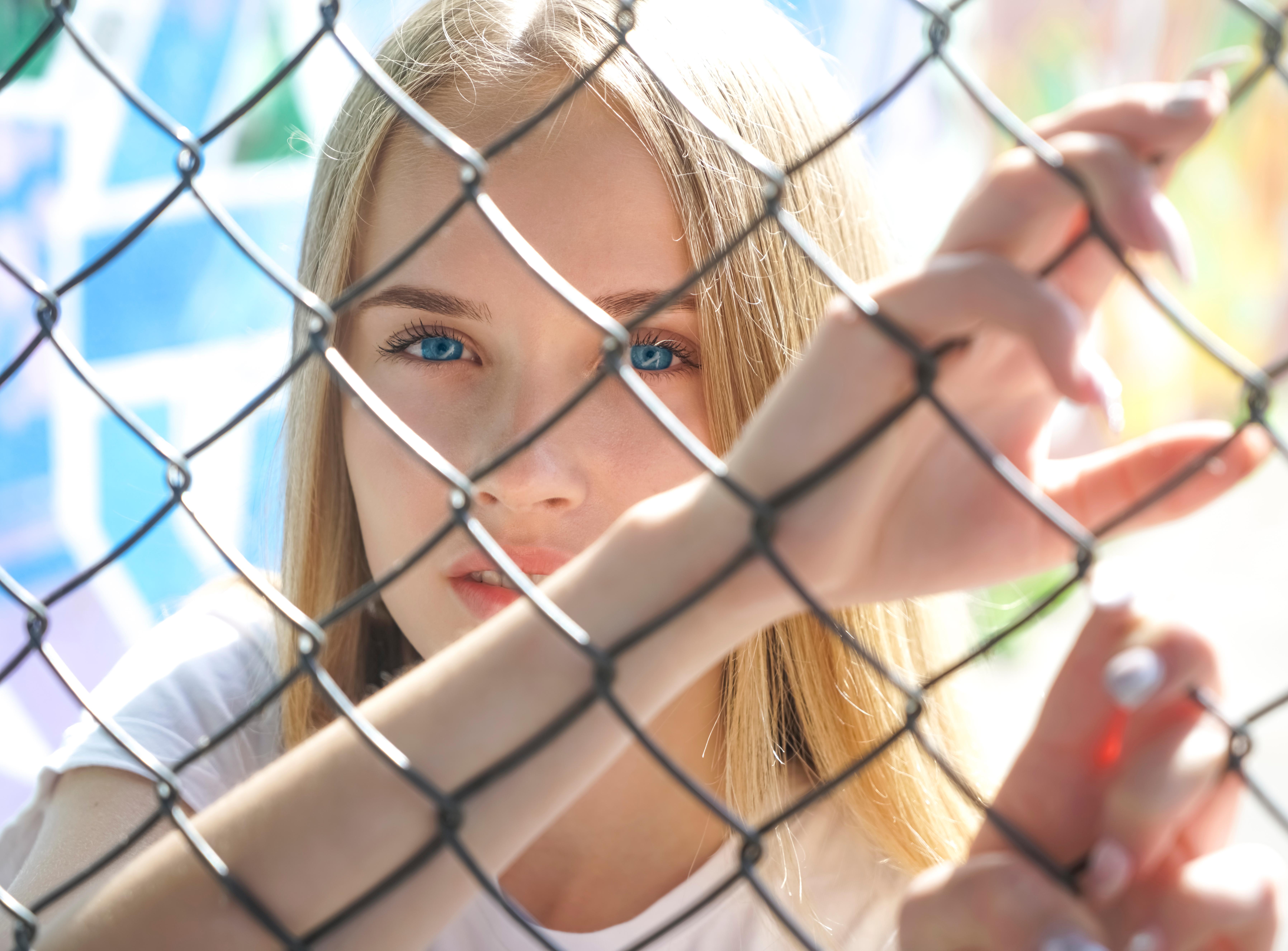 Klaustrofobi är en irrationell rädsla för att kvävas eller känna sig instängd.