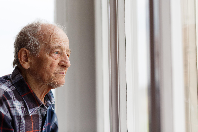 Många äldre kan känna sig både ensamma och drabbas av ångest, det vill stadsdelen Kungsholmen nu råda bot på genom en ny satsning.