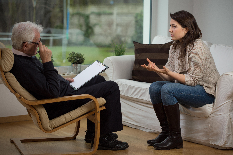 I Tyskland anser man att psykoterapi är bra för folkhälsan och i arbetet med att tackla sjukfrånvaron erbjuds därför alla tyskar gratis psykoterapi.