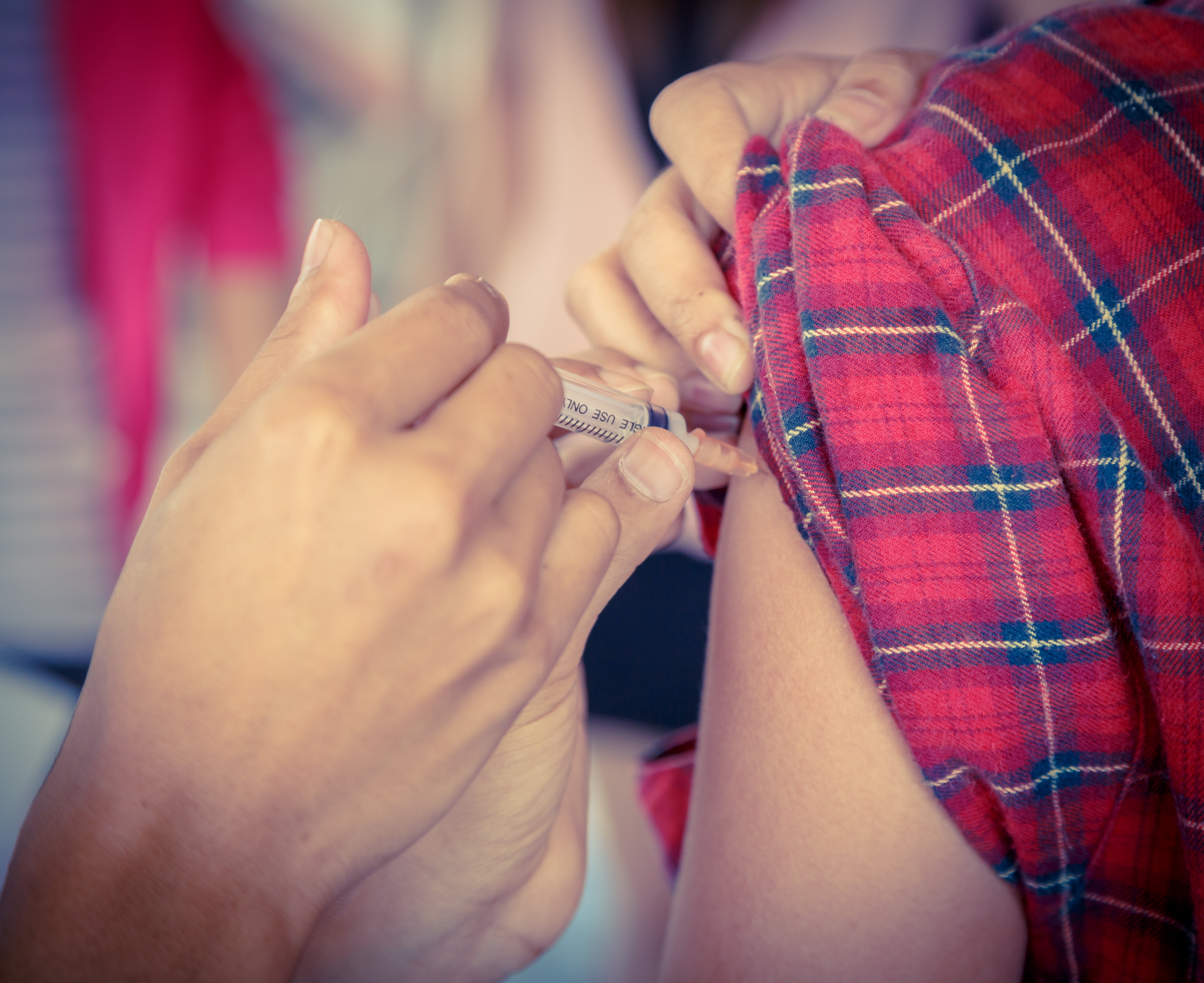 Klamydiabakteriens förmåga att förändras har lett till att det först nu har kommit ett vaccin som man tror kan komma att fungera.