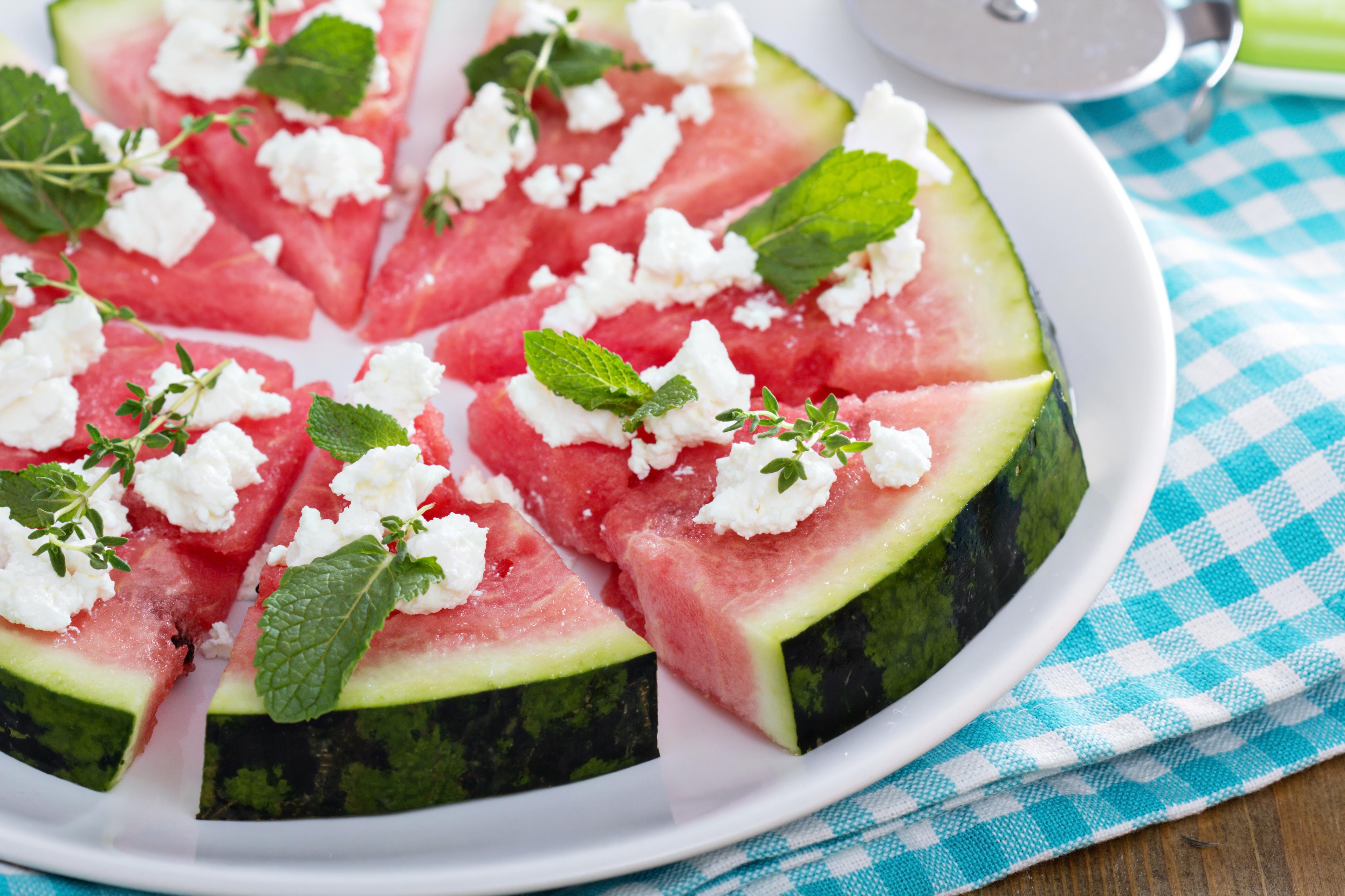 shutterstock_256963642 vattenmelonpizza melon pizza sommar vattenmelon recept.jpg