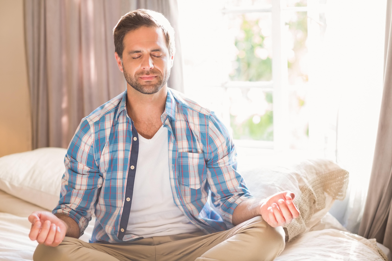 Mindfulness är meditation och övningar som ska öka förmågan att uppmärksamma tankar, känslor och kroppsliga upplevelser på ett nytt sätt.
