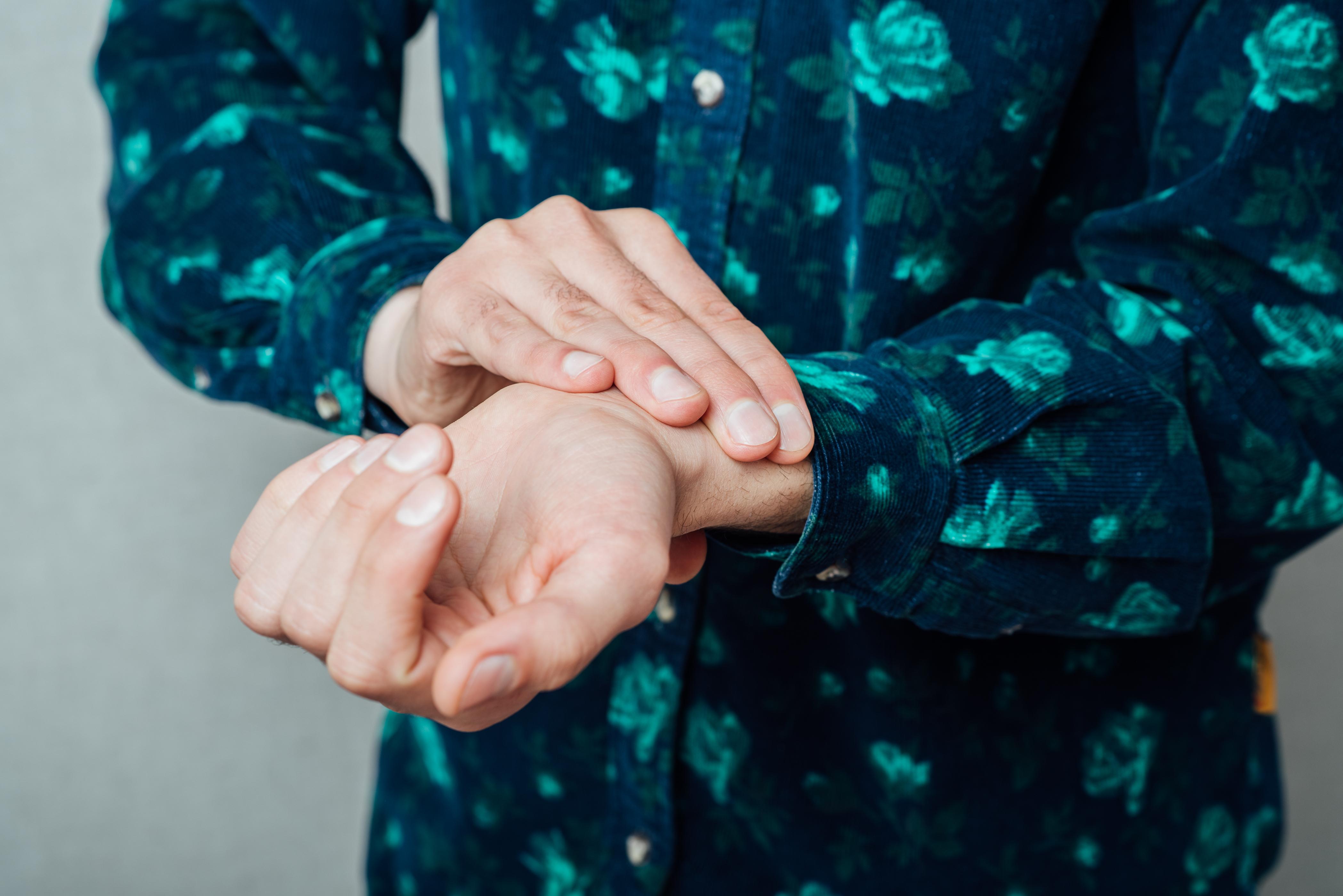 Känn Pulsen syftar till att lära alla över 65 år att känna sin puls och därmed upptäcka en rytmrubbning och minska risken för stroke.