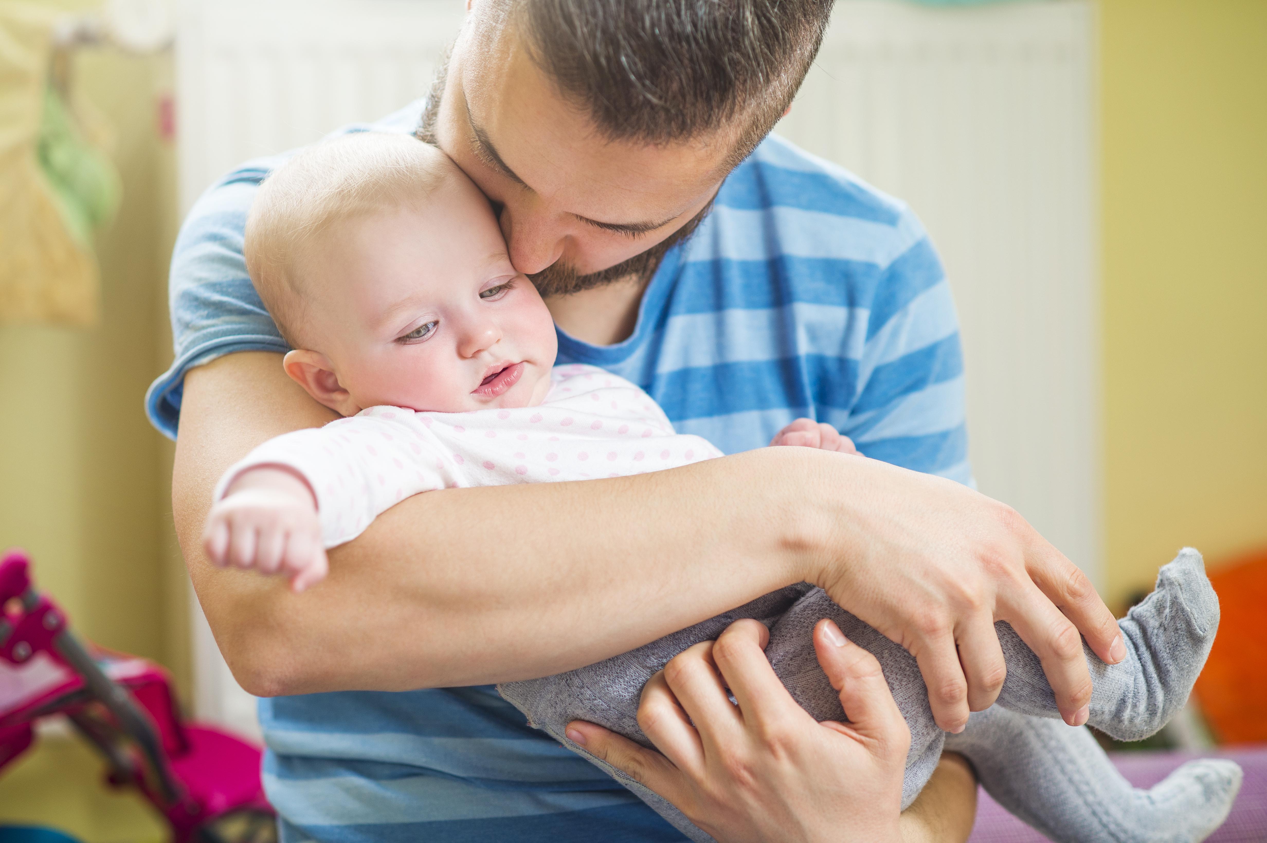 Familjär hyperkolesterolemi är ärftlig och varje barn och syskon till den drabbade löper 50 procents risk att själv ha sjukdomen.