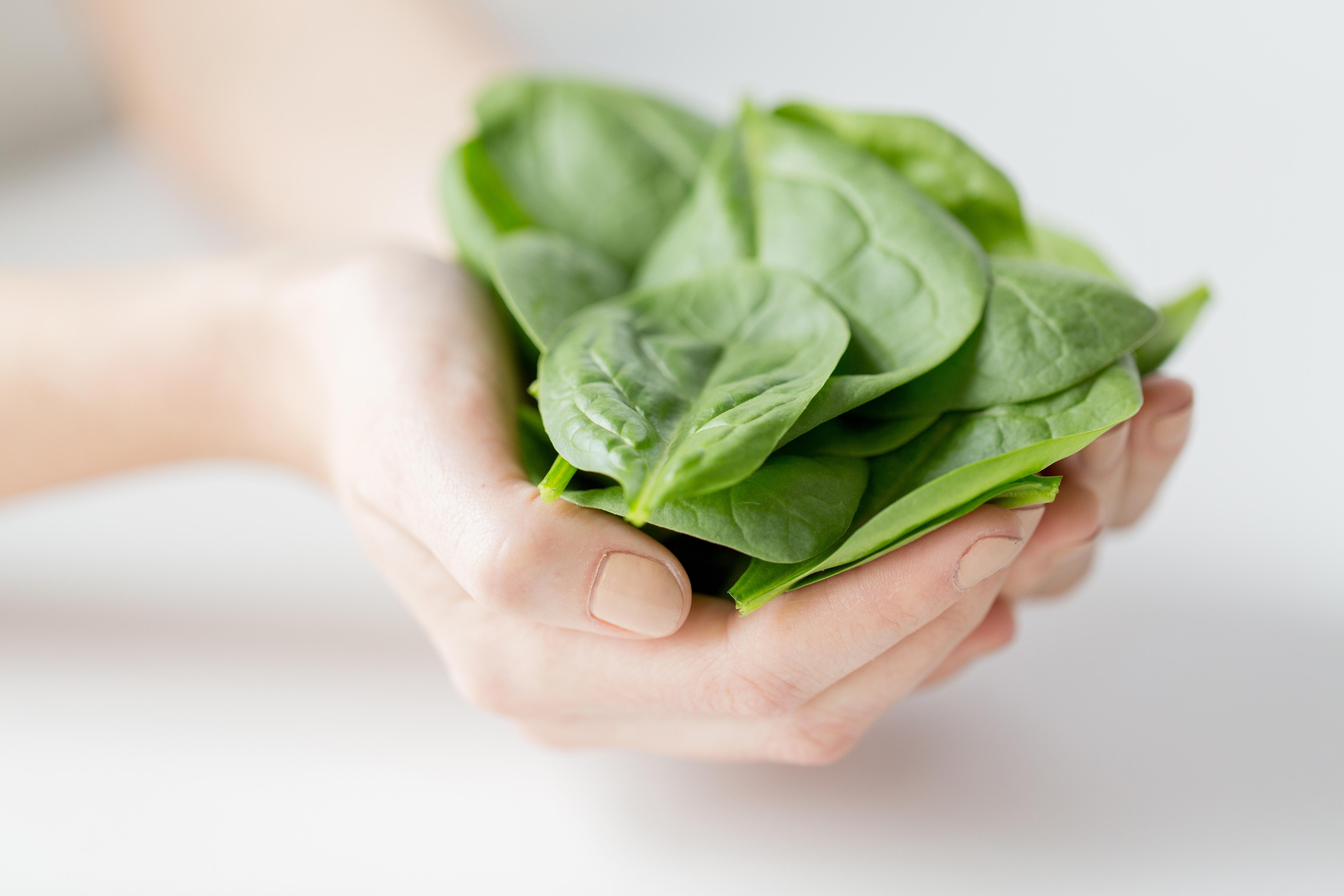 Vid låg zinknivå kan det vara nödvändigt att förändra kosthållningen och/eller ta zink som kosttillskott. Bland annat spenat är rikt på zink.