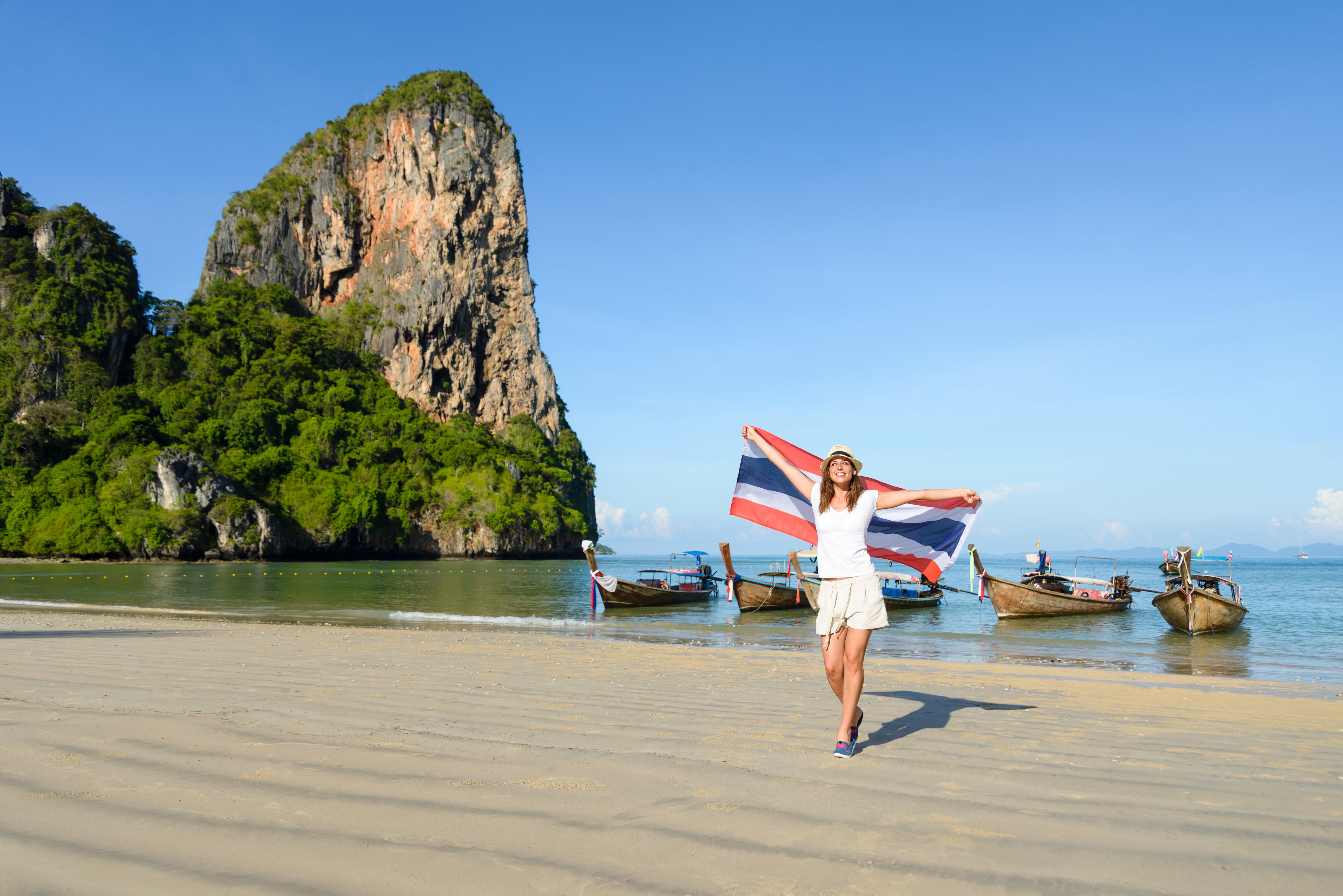 Ett större utbrott i Thailand har lett till att fler svenska thailandsresenärer än vanligt har drabbats av denguefeber.
