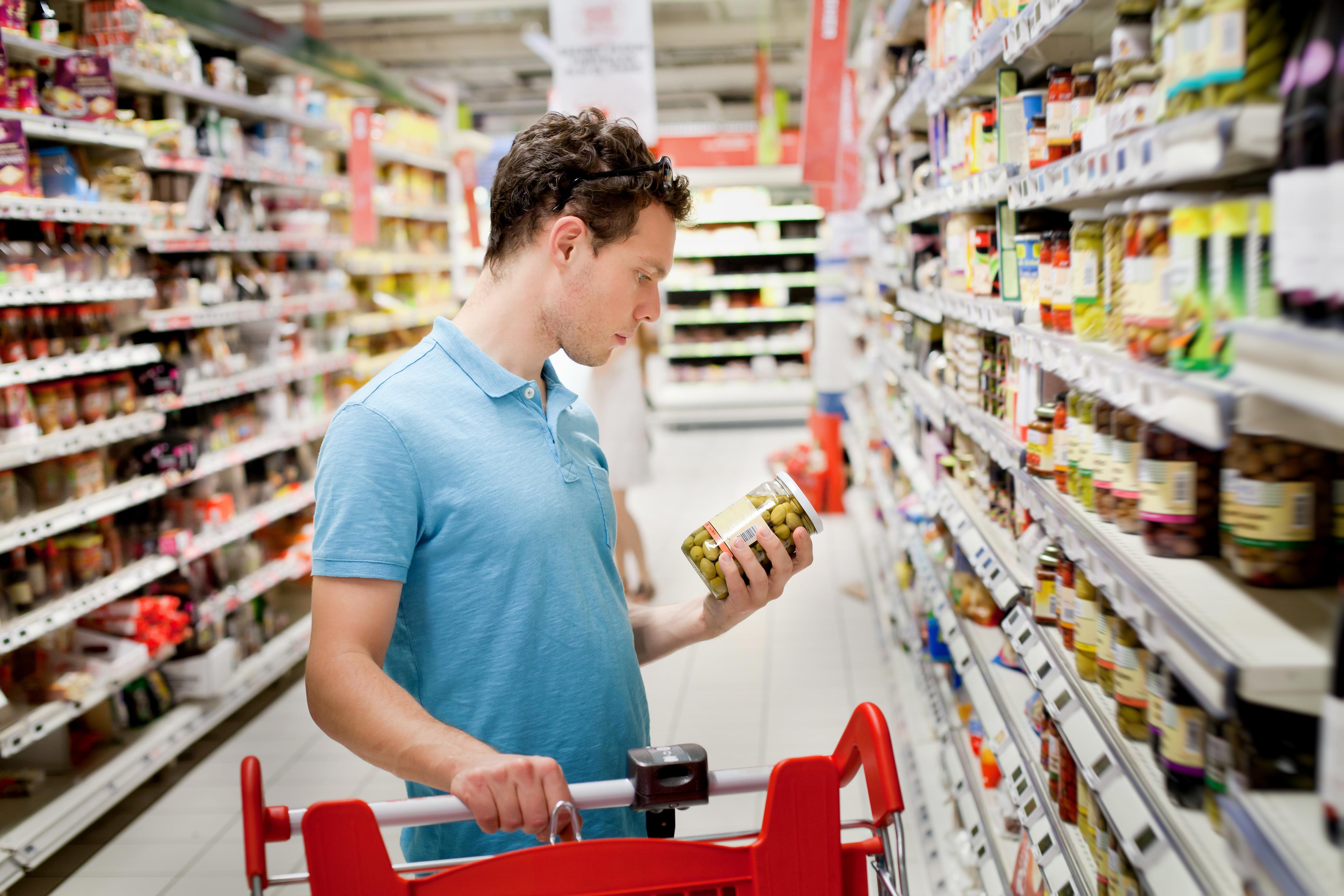 En nordisk undersökning visar på brister inom livsmedelsbranschen där felmärkta varor innehöll allergener som kan orsaka allergiska reaktioner.