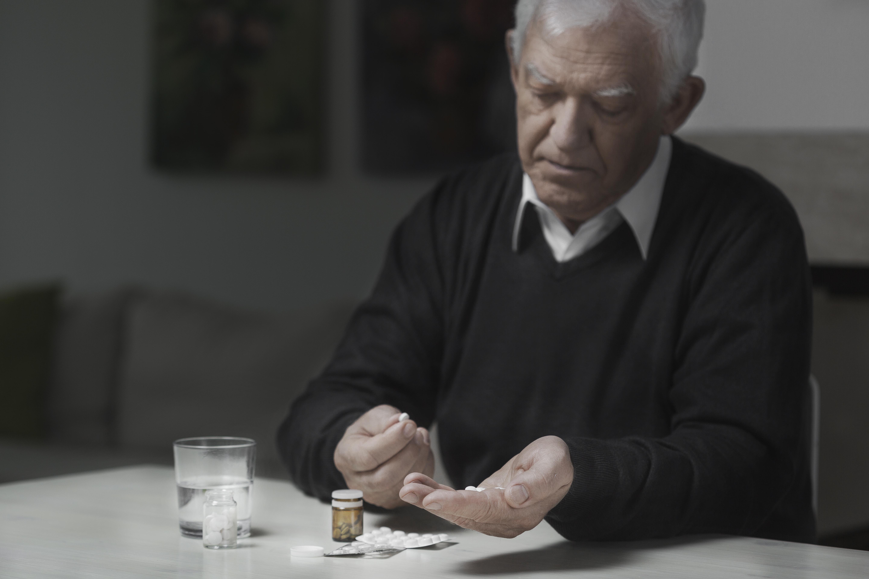Felmedicinering, att man läser fel på dosering glömmer att man redan tagit sin medicin eller tänker att det ska vara mer effektivt om man tar fler, förekommer.