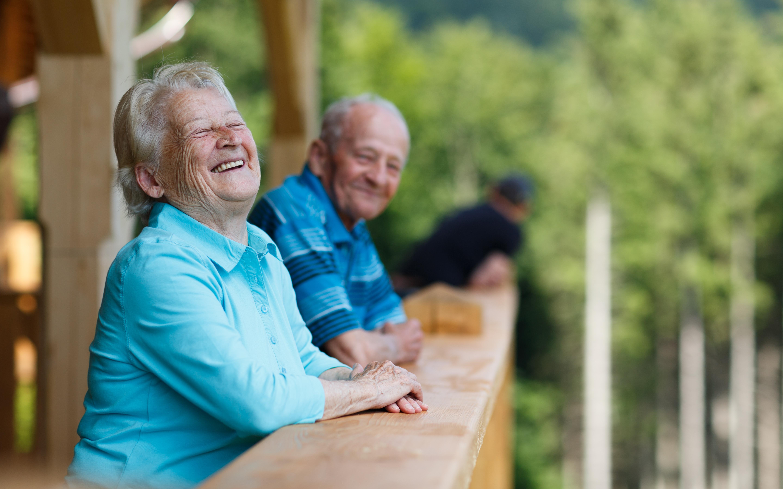 Sommarsemester för äldre, äldrekollo, verkar ge starka positiva effekter för deltagarna som bland annat får ett större socialt umgänge.