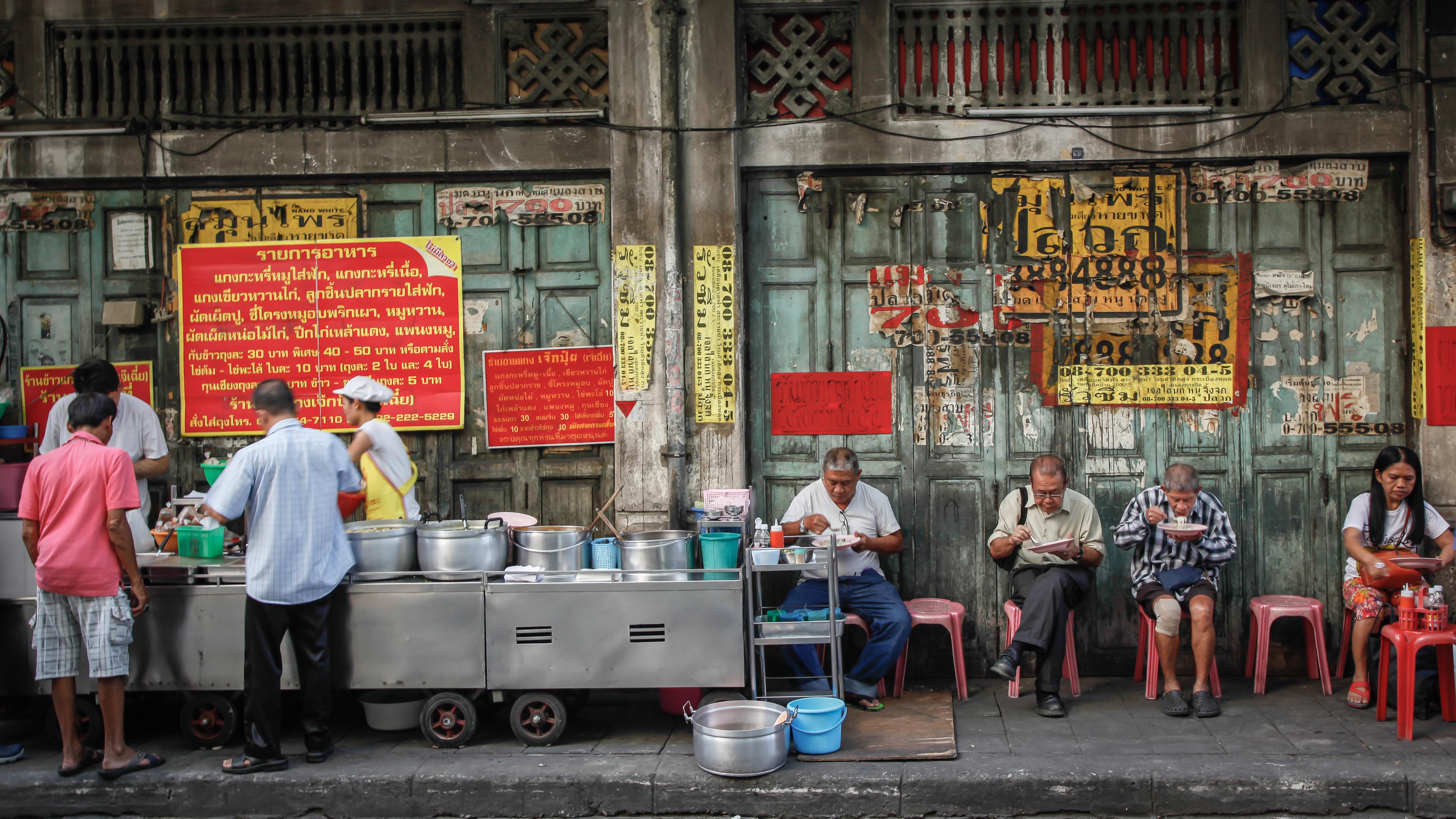 Det är större risk att få turistdiarré i länder med dålig vattenrening och sjukdomen går ofta över inom tre till fyra dagar.