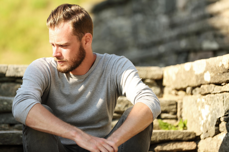 En vanlig orsak till att drabbas av sommardepression är alla förväntningar och den stress det kan medföra.