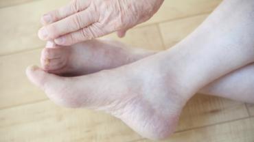 pirr i fötterna
