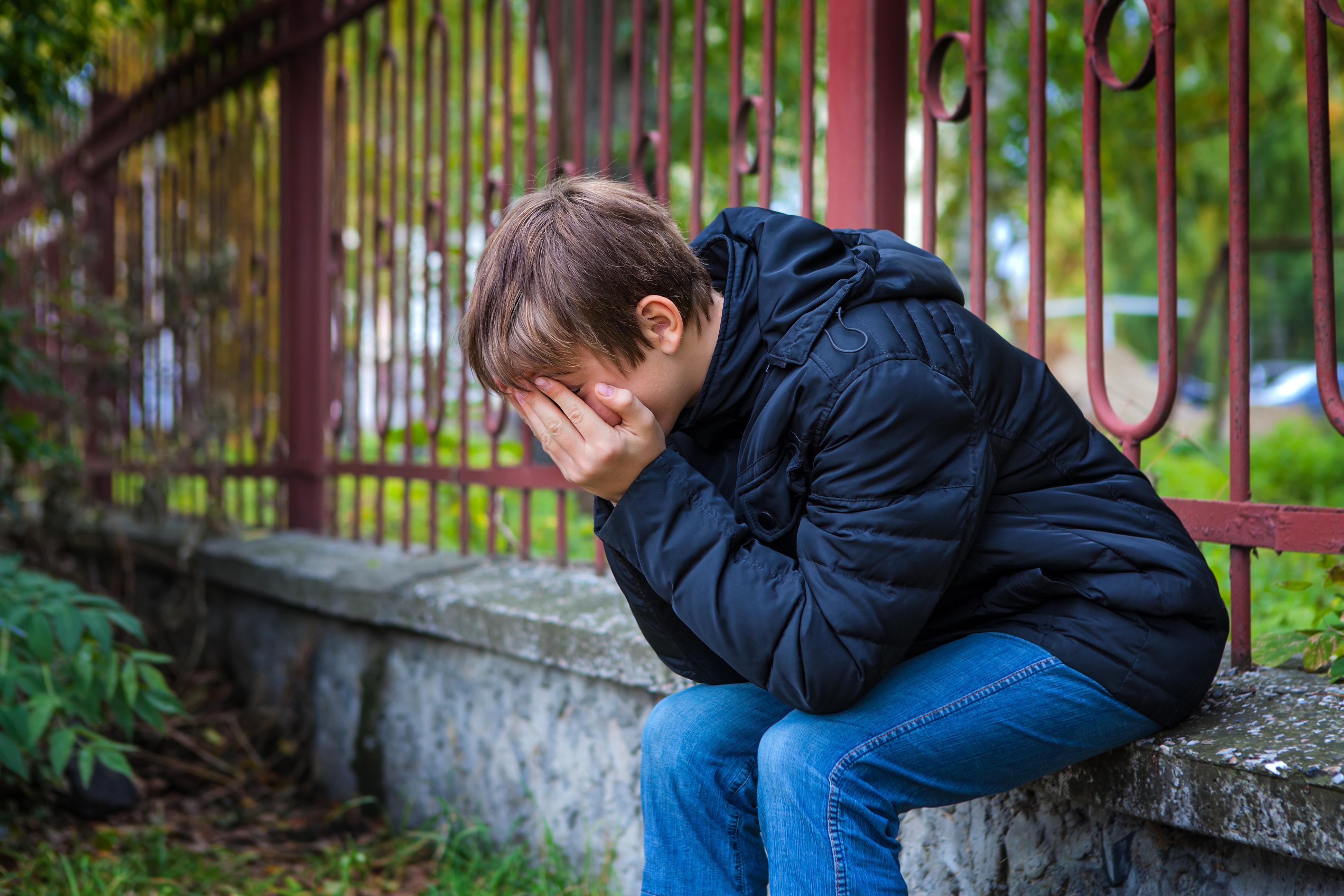 Den som är utsatt för mobbning känner ofta skuld, får skamkänslor och tror att felet ligger hos en själv.