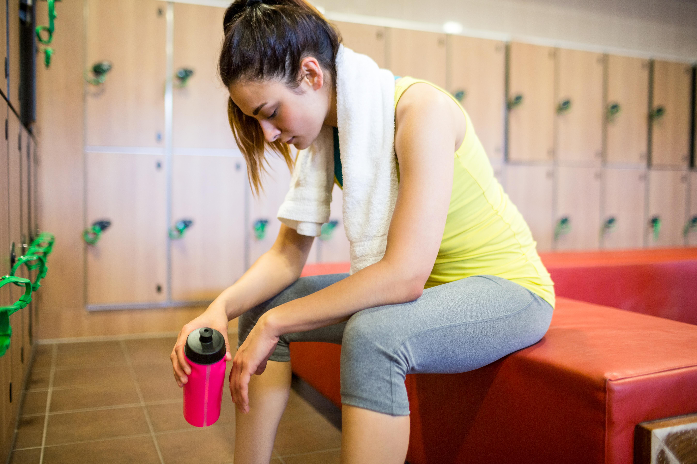 För mycket vatten vid träning kan vara ohälsosamt, i stället rekommenderas att du dricker vatten vid behov.