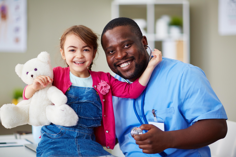 Christina Peterson som står bakom studien menar att fokus, oavsett sjukdom, måste vara att stötta barnen.