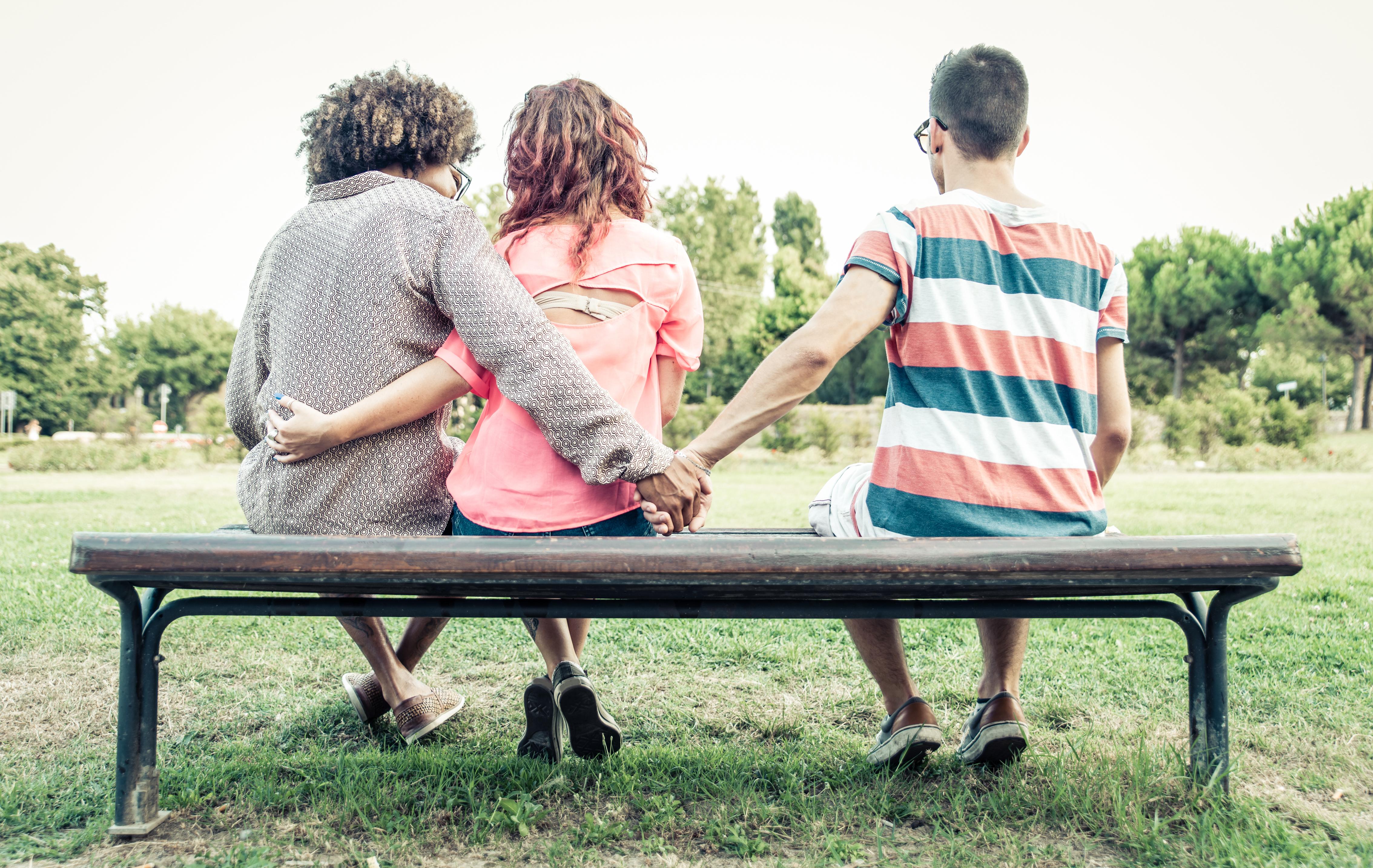 Senaste året har tre procent av de som lever i en parrelation haft sex med någon som ens partner inte kände till och troligen inte skulle tycka om.