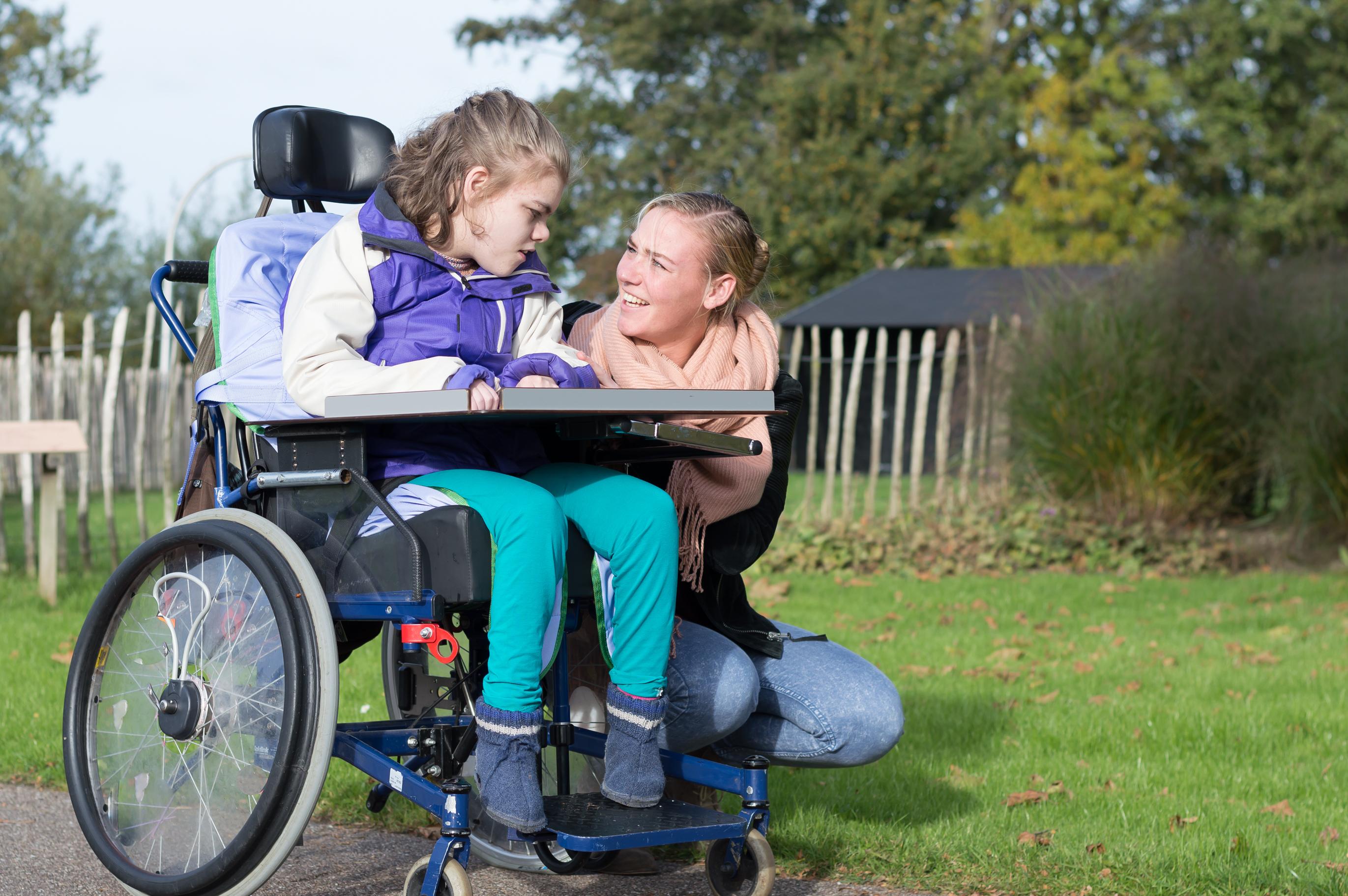 Ur ett barnperspektiv är det viktigt att vidta åtgärder för att möjliggöra för barn med funktionsnedsättning att bo hemma menar Socialstyrelsens expert.