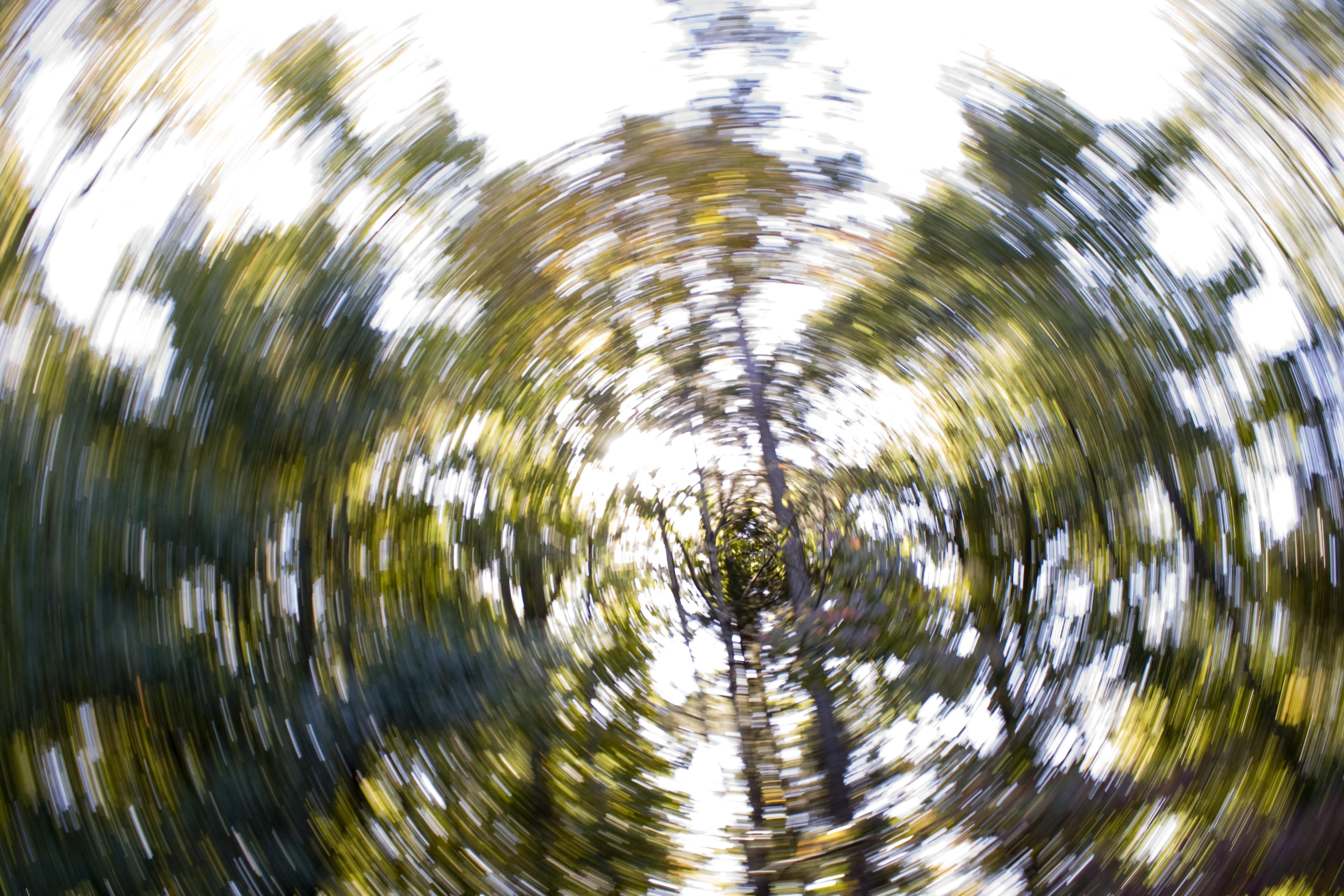 shutterstock_365594900 yrsel känna sig yr tappa balansen spänningsyrsel bli yr snurrar i huvudet snurrig i huvudet.jpg