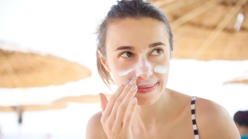 ta hand om huden i ansiktet