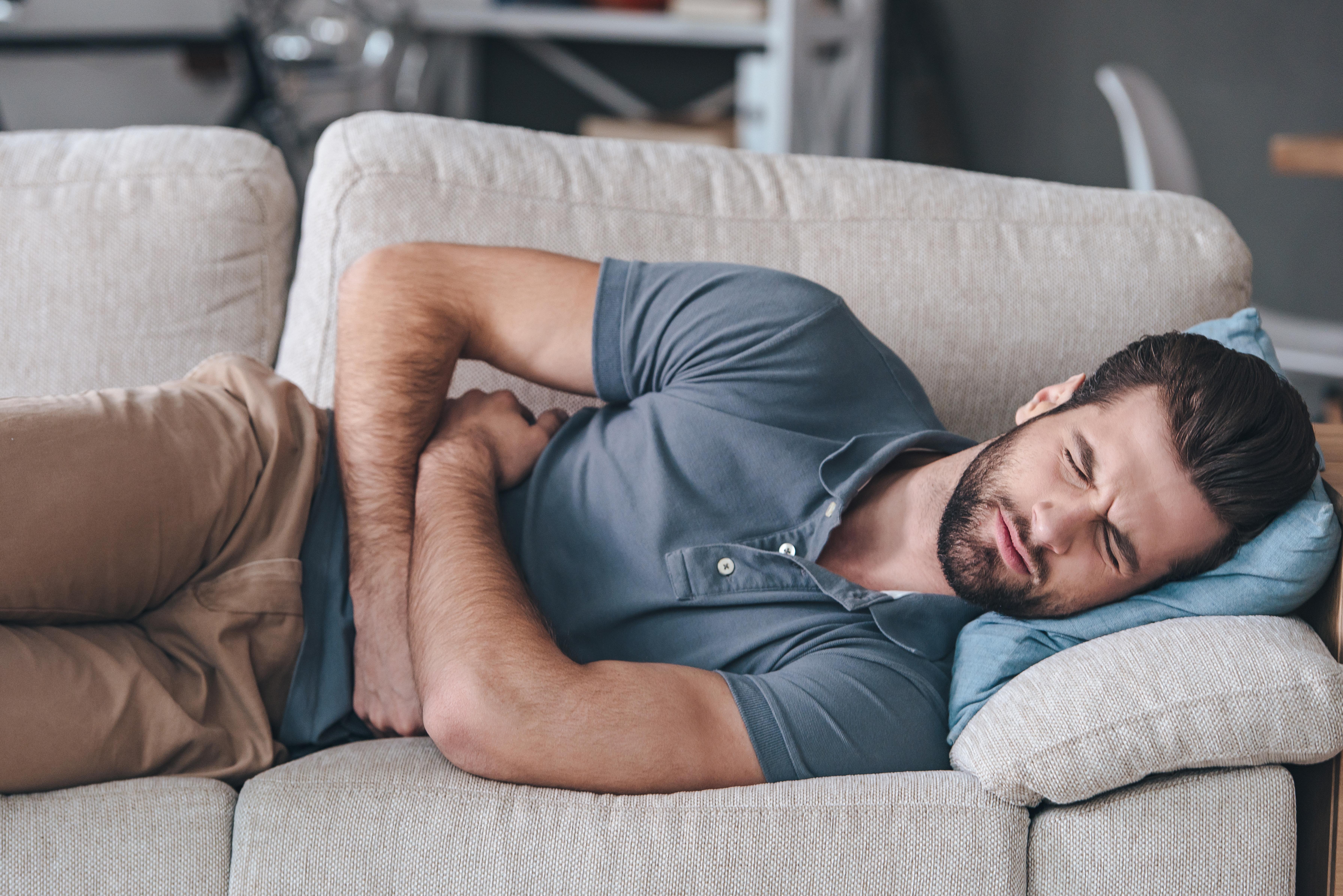 Det är vanligt att man besväras med gaser och buller i magen om man är gluten- eller laktosintolerant.