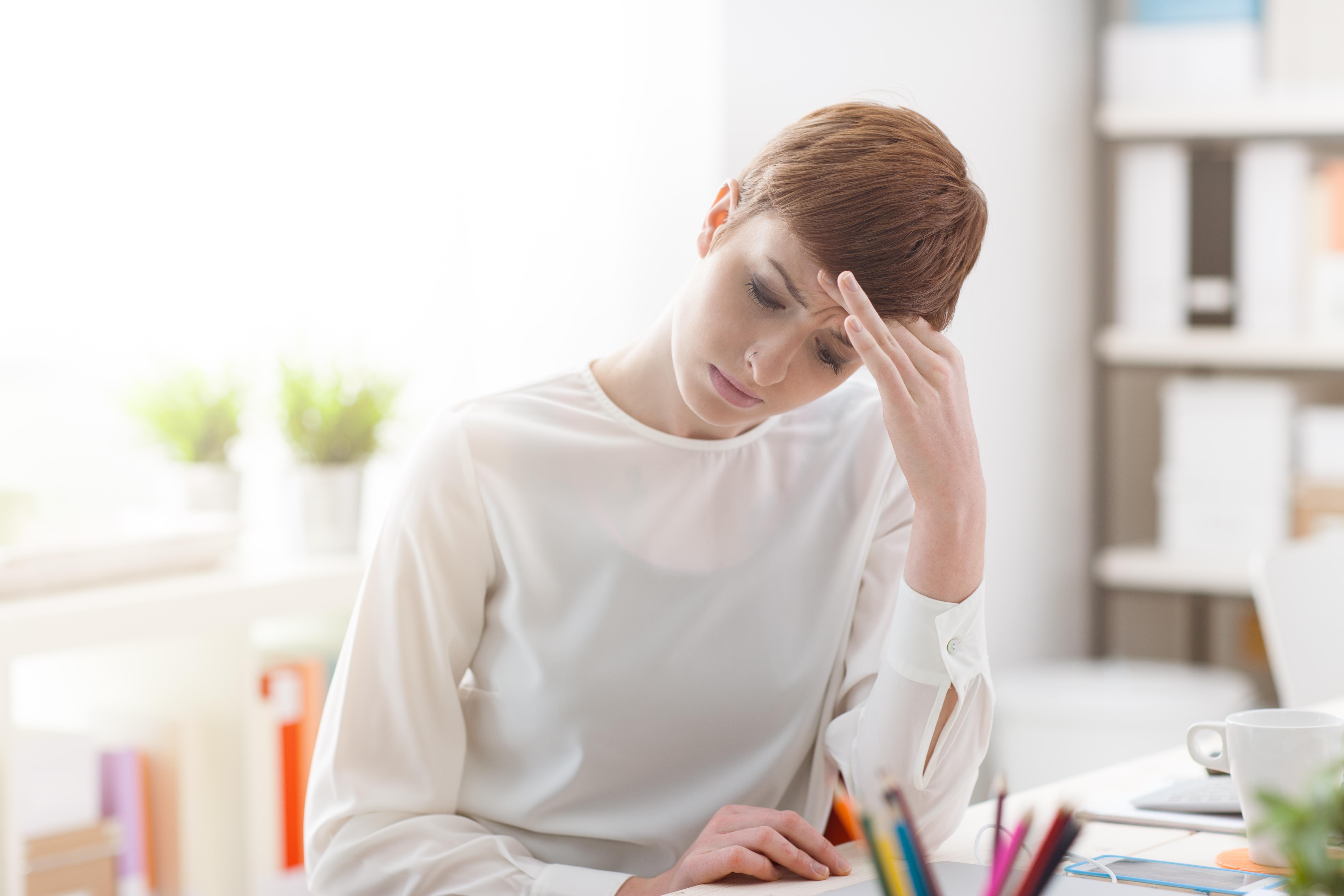 Att gå till jobbet trots att man känner att man egentligen borde vara hemma och sjuskriven blir allt vanligare på landets arbetsplatser.