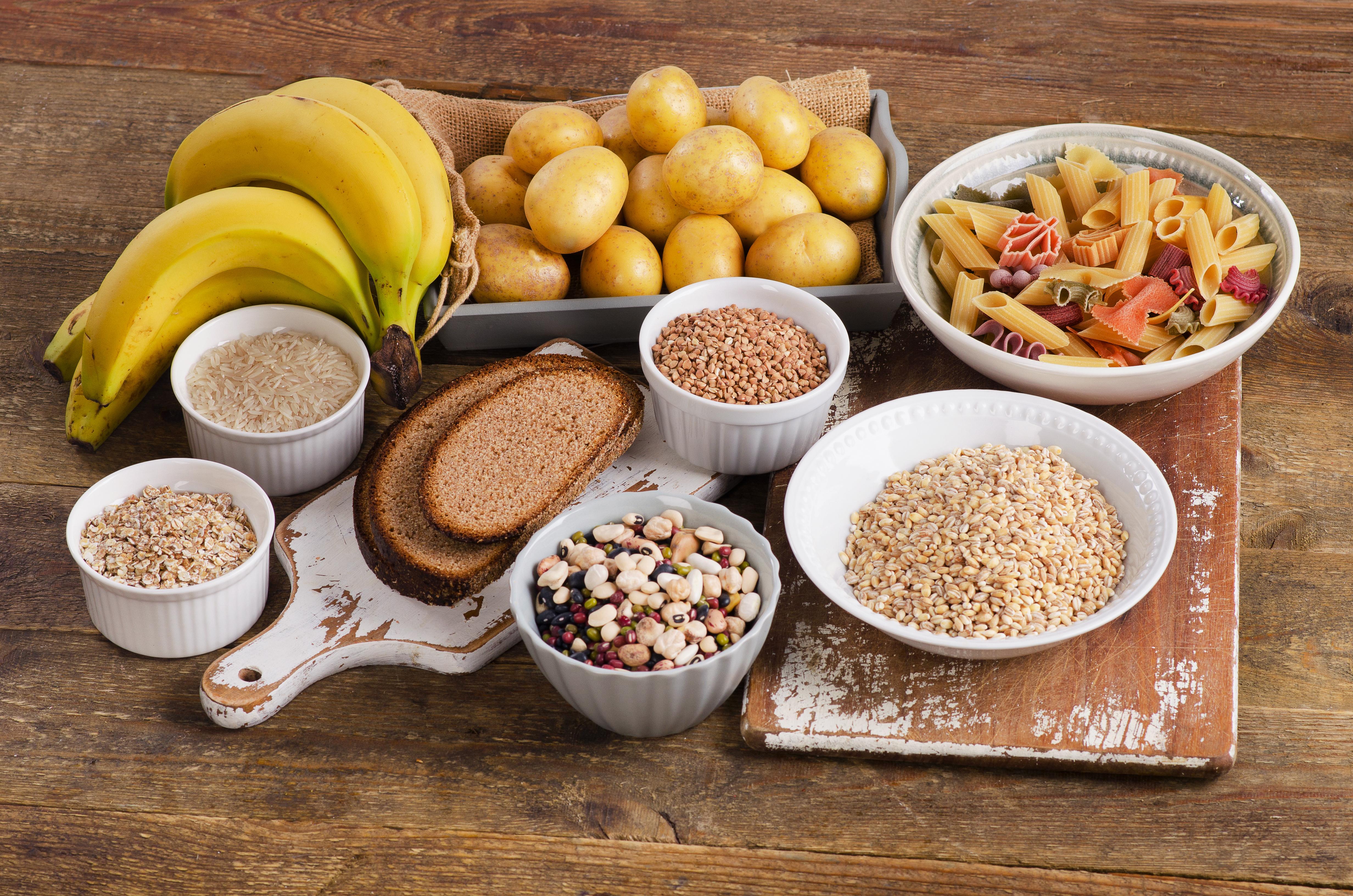 Uppladdningsmålet bör innehålla ett gram kolhydrater per kilo kroppsvikt, av till exempel ris, potatis eller havregryn.