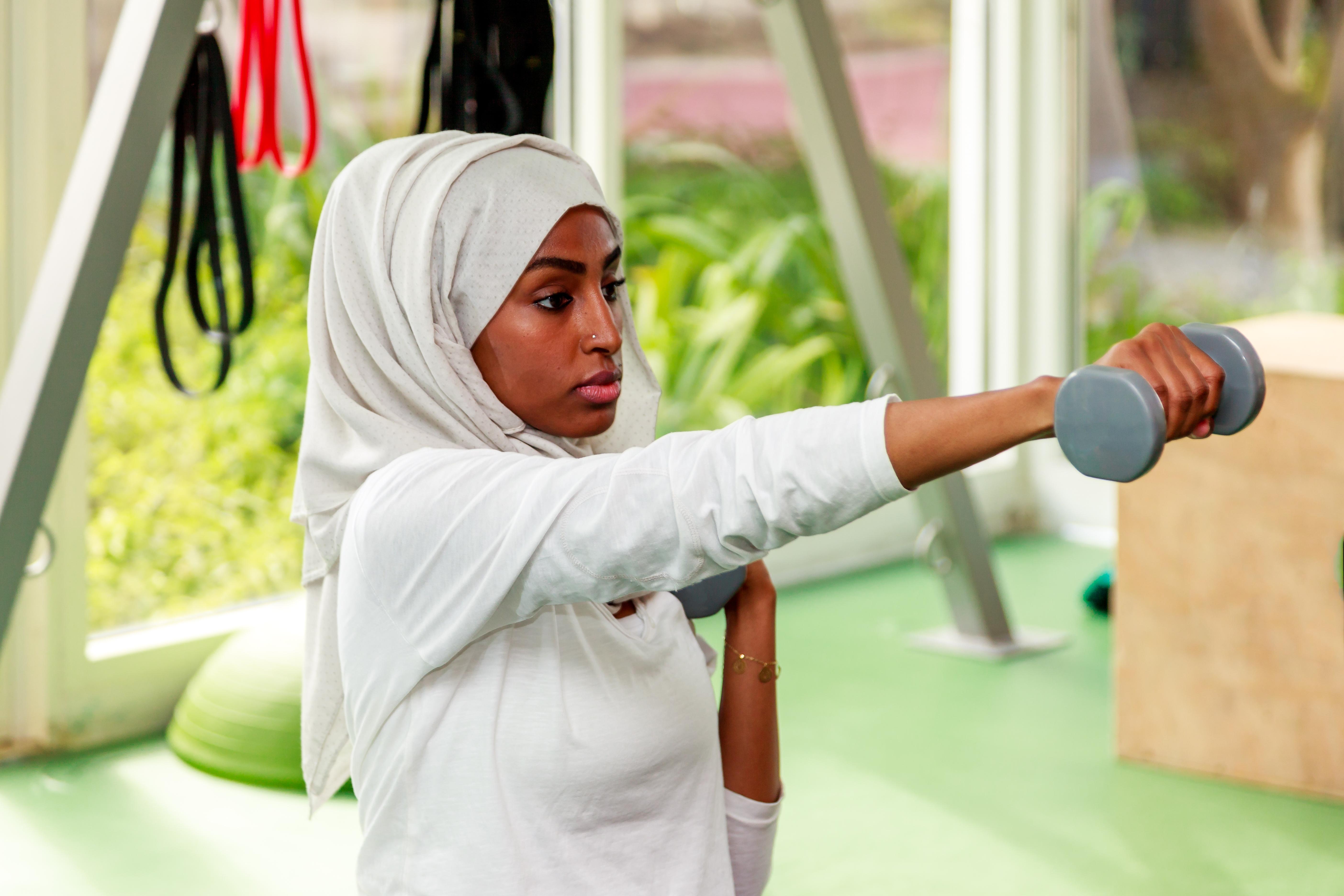 För den som vill träna samtidig som man fastar bör man vara medveten om att prestationen kan påverkas.