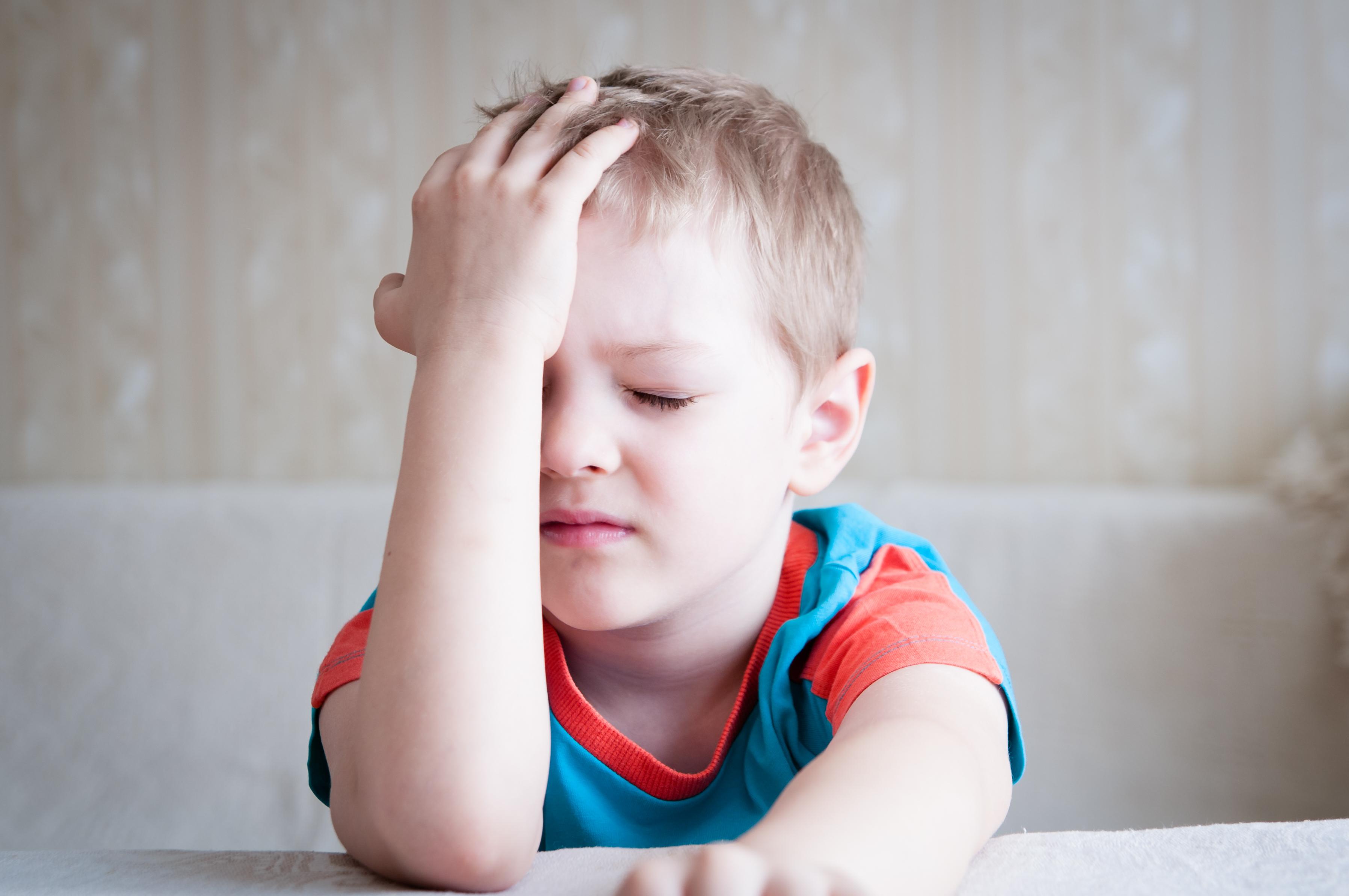 Den kroniska smärtan är i de flesta fall oförklarlig och ger sig vanligen uttryck i kronisk huvudvärk, smärta i buken eller värk i lederna.
