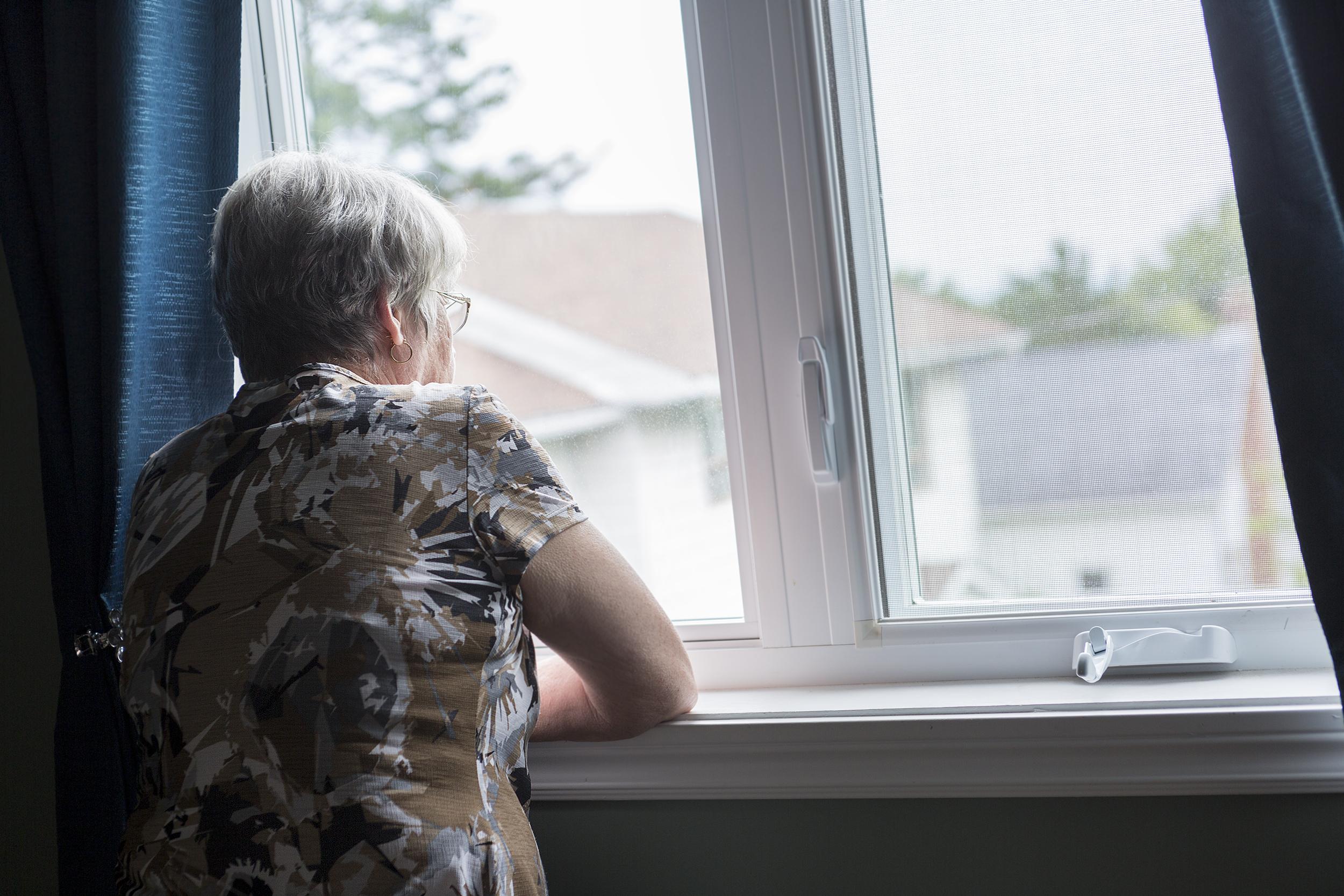 I Sverige drabbas varje år 25 000 personer av demenssjukdom där alzheimer är den vanligaste orsaken.