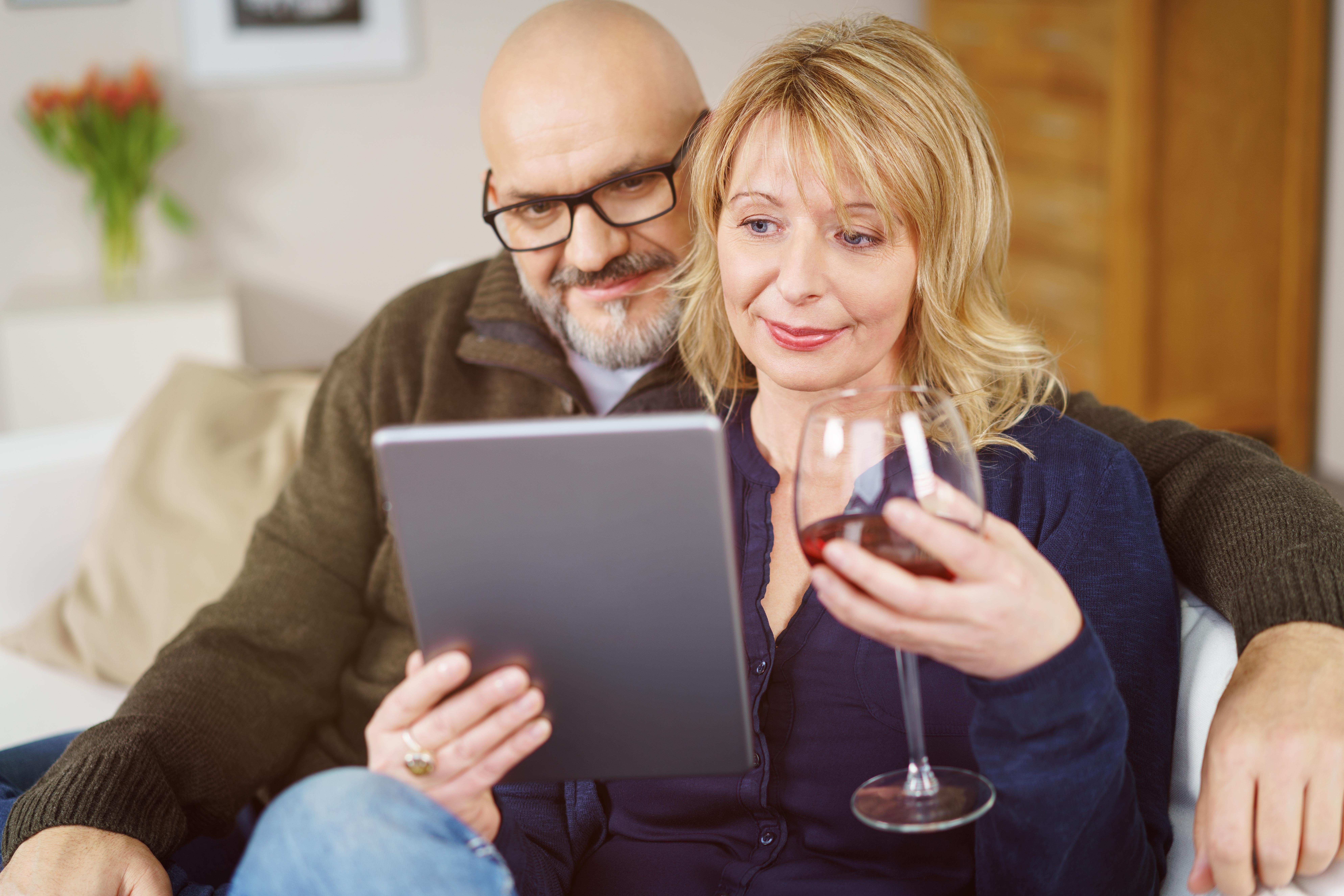 Vardagsdrickandet har blivit allt mer accepterat hos kvinnor över 45 år visar en årlig undersökning från organisationen IQ.