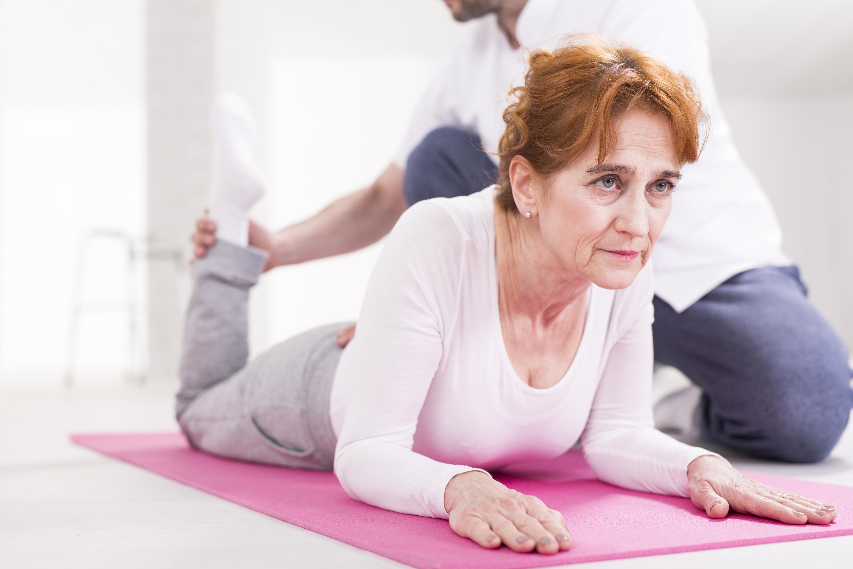 Lederna slits inte genom att man rör på sig. Tvärtom har man sett att motion och en aktiv livsstil minskar värken och ökar funktionen i lederna.