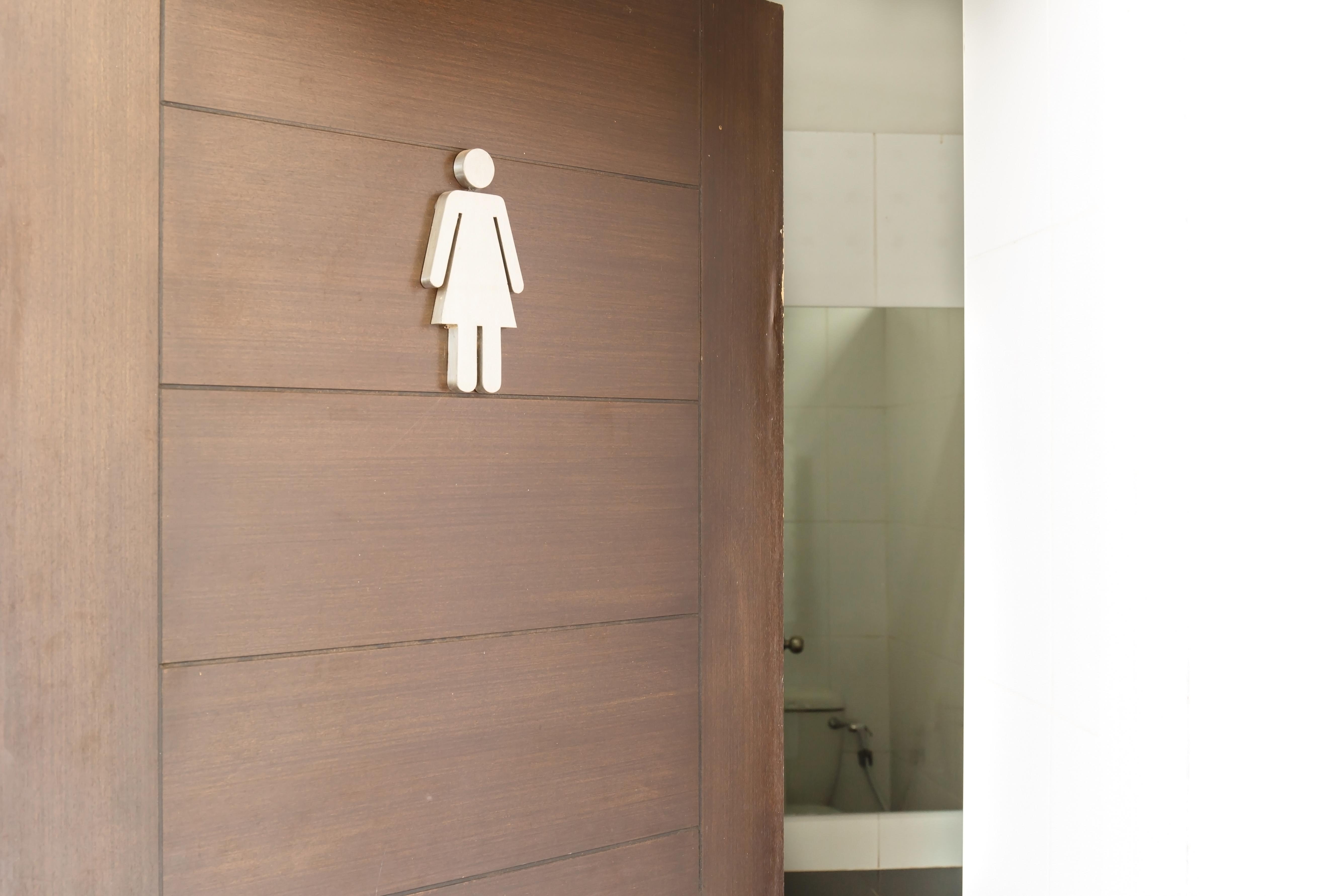 För att vilja besöka toaletten måste eleverna känna att toalettmiljön är fräsch och trygg.