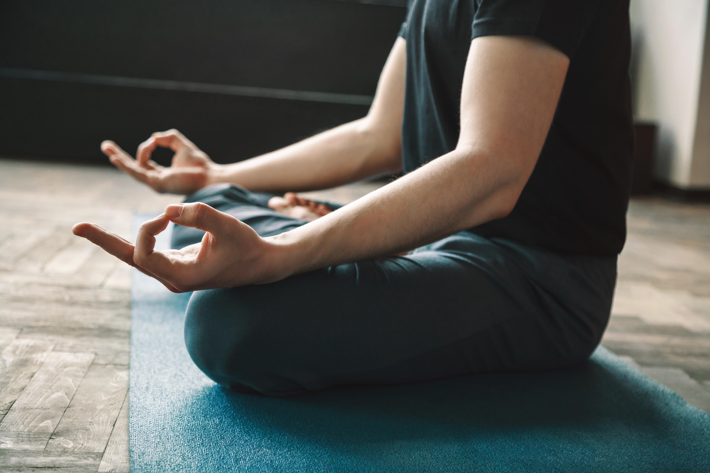 Enligt studien hade yogan positiv inverkan på både de intagnas välbefinnande och beteende.