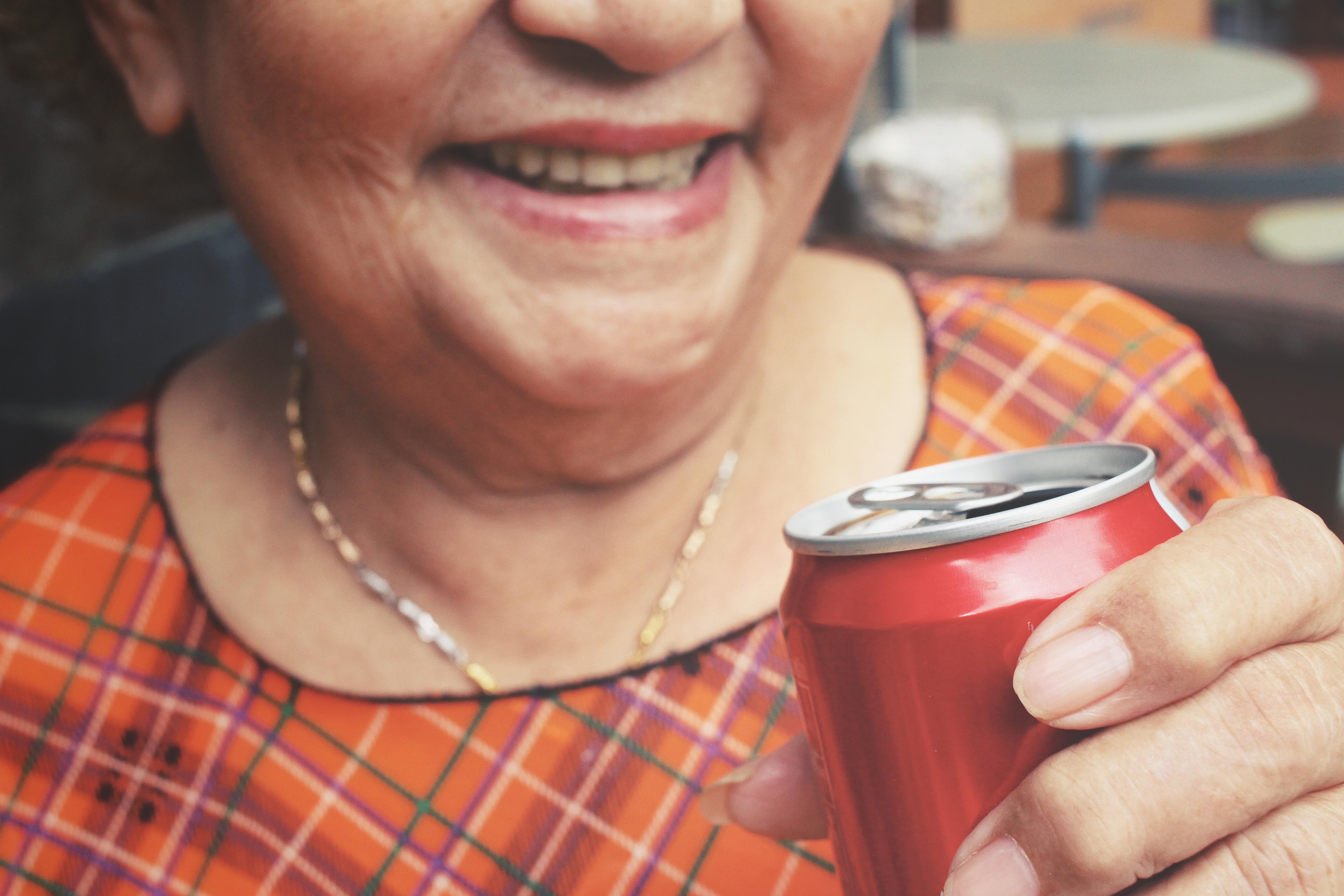 Läsk med artificiella sötningsmedel kan öka risken för stroke.