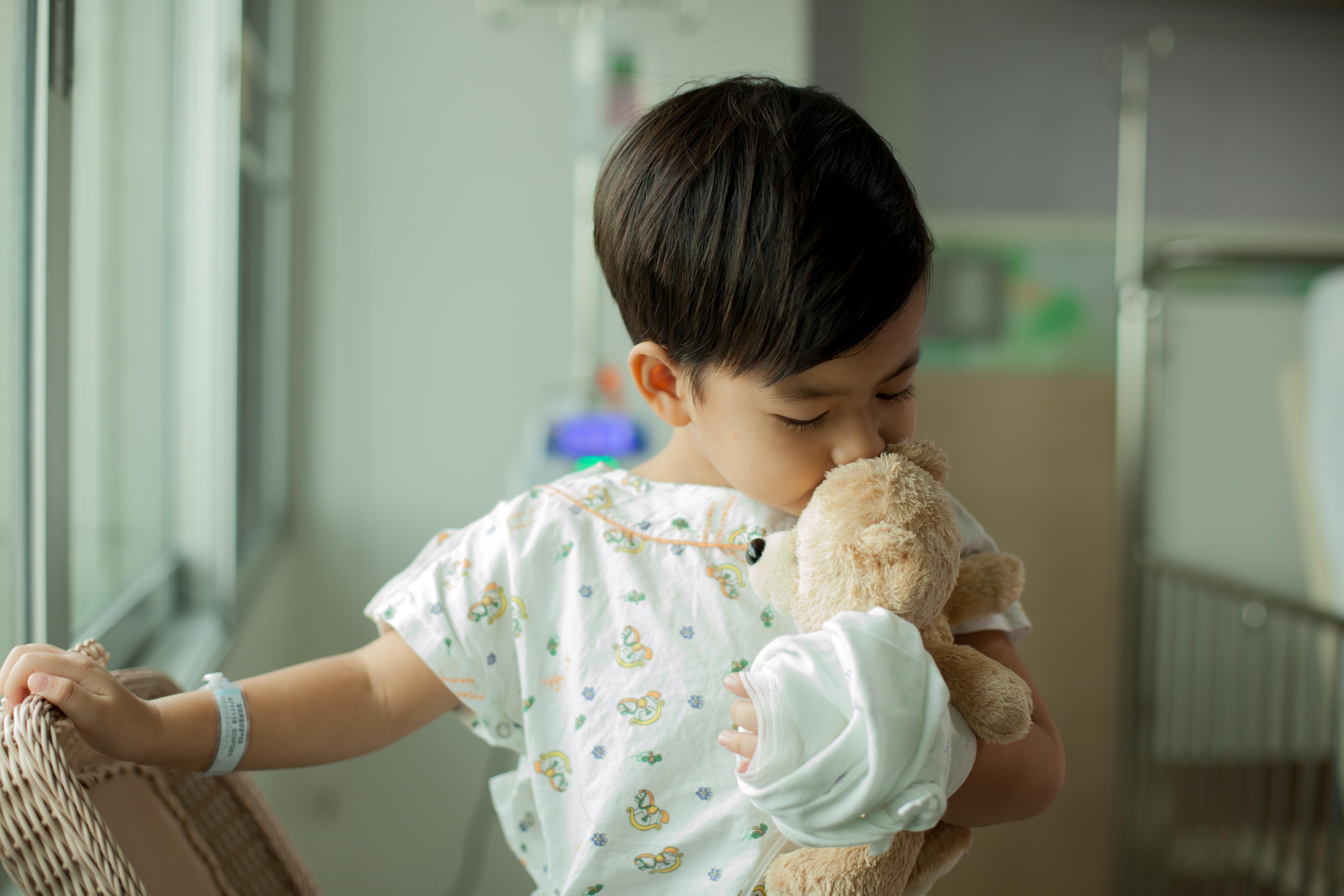 Idag överlever 80 procent av de barn som drabbas av cancer.