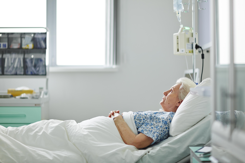 Problemet med överbeläggningar och utlokaliserade patienter kvarstår.