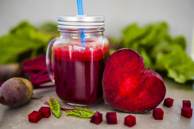 shutterstock_511128445 energigivande rödbetssmoothie smoothies hälsa medicin välbefinnande anders åker matrecept smoothie rödbetor rödbeta.jpg