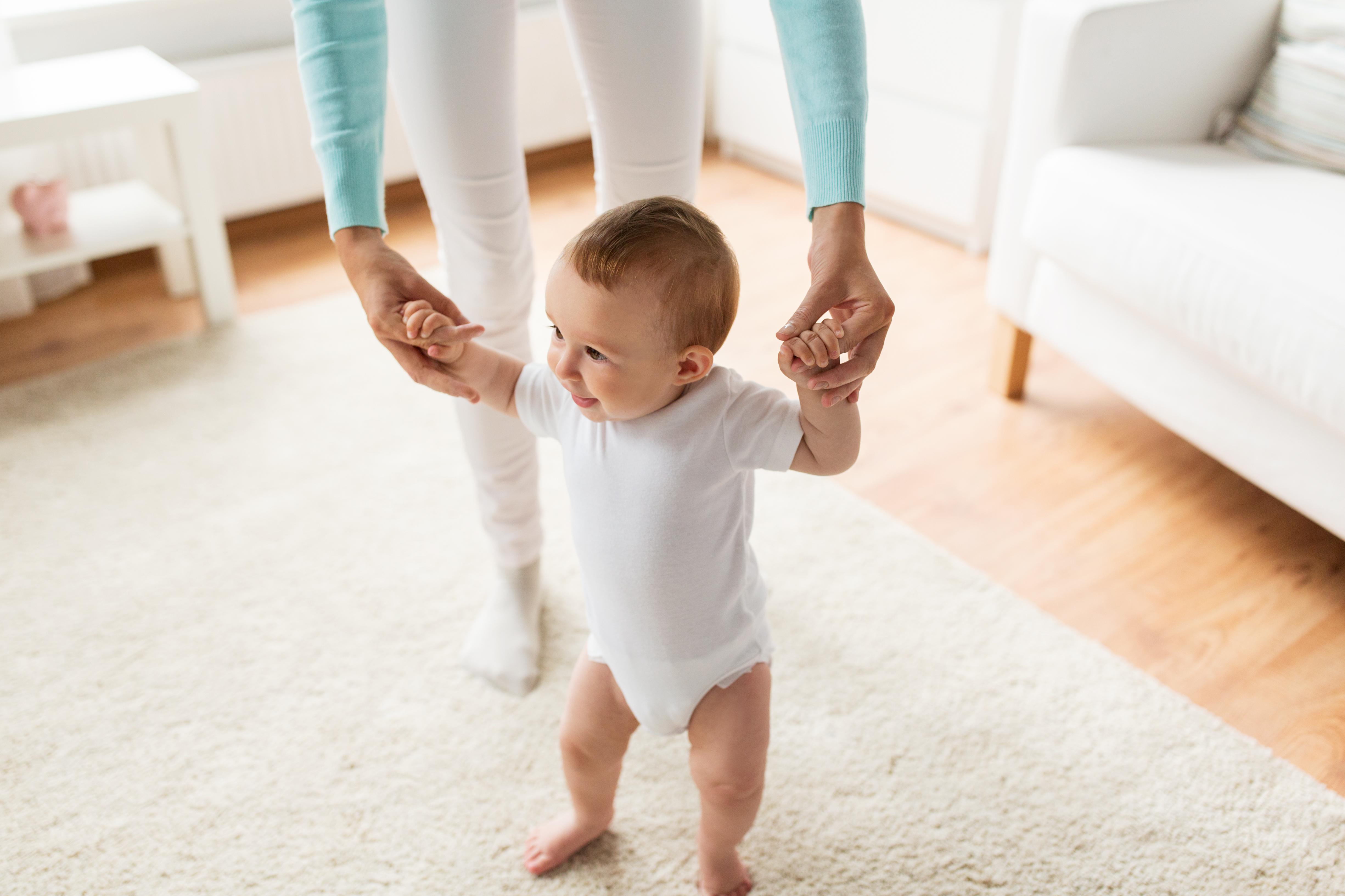 Att vara gravid, genomgå en förlossning och hantera småbarnsår kan i sig vara en utmaning för många, men ytterligare för de med reumatisk sjukdom.