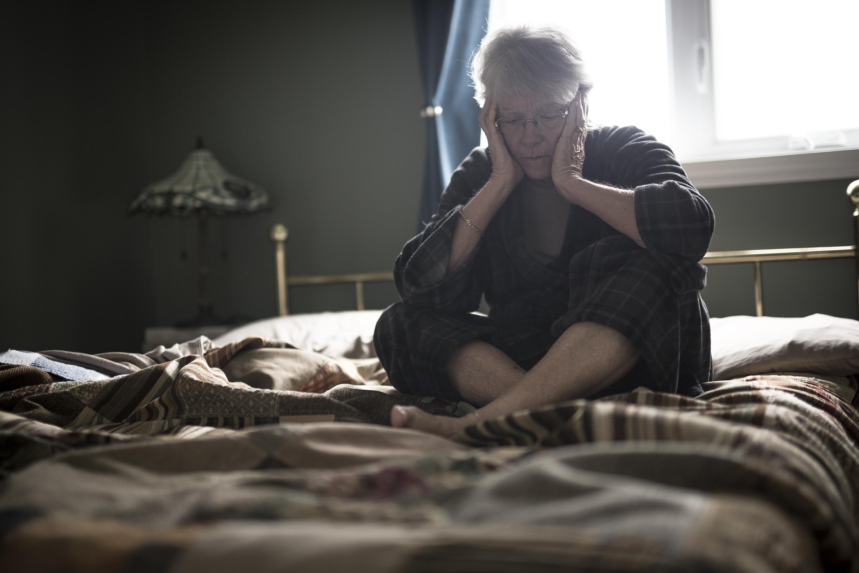 Sömnstörningen leder också till kronisk sömnbrist vilket i sin tur leder till en ofta uttalad dagtidssömnighet.
