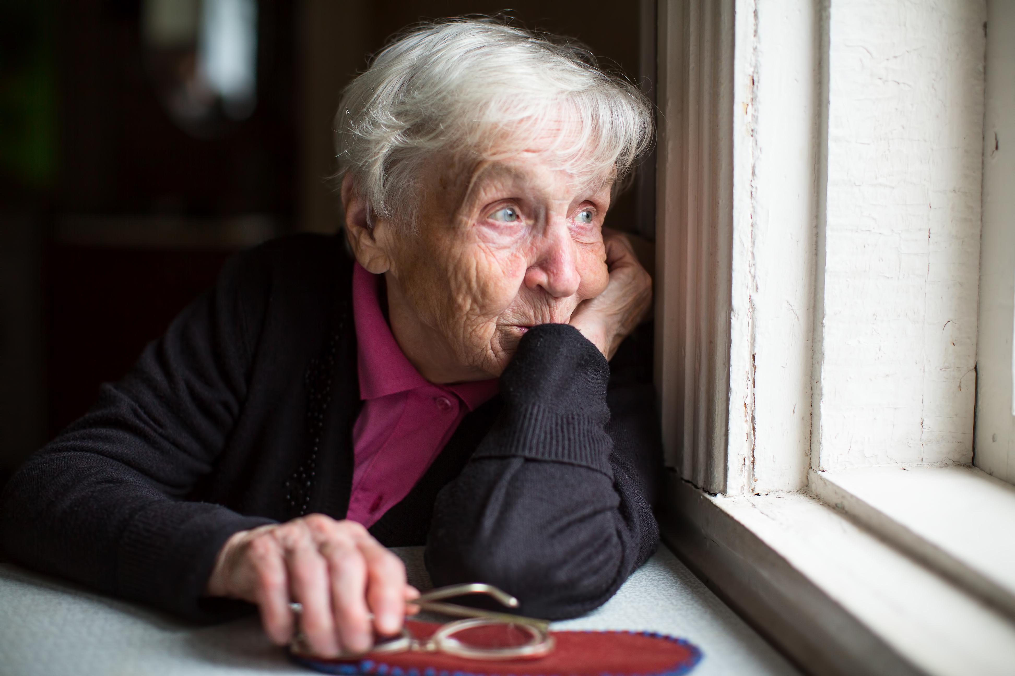 Andelen deprimerade i 70-årsåldern har sjunkit, och minskningen är tydligast bland kvinnor.