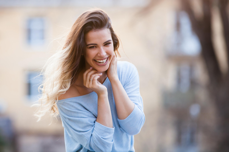 Vissa människor har lättare att känna lycka och kan rent genetiskt ha haft turen att födas med en högre grundnivå av lycka.