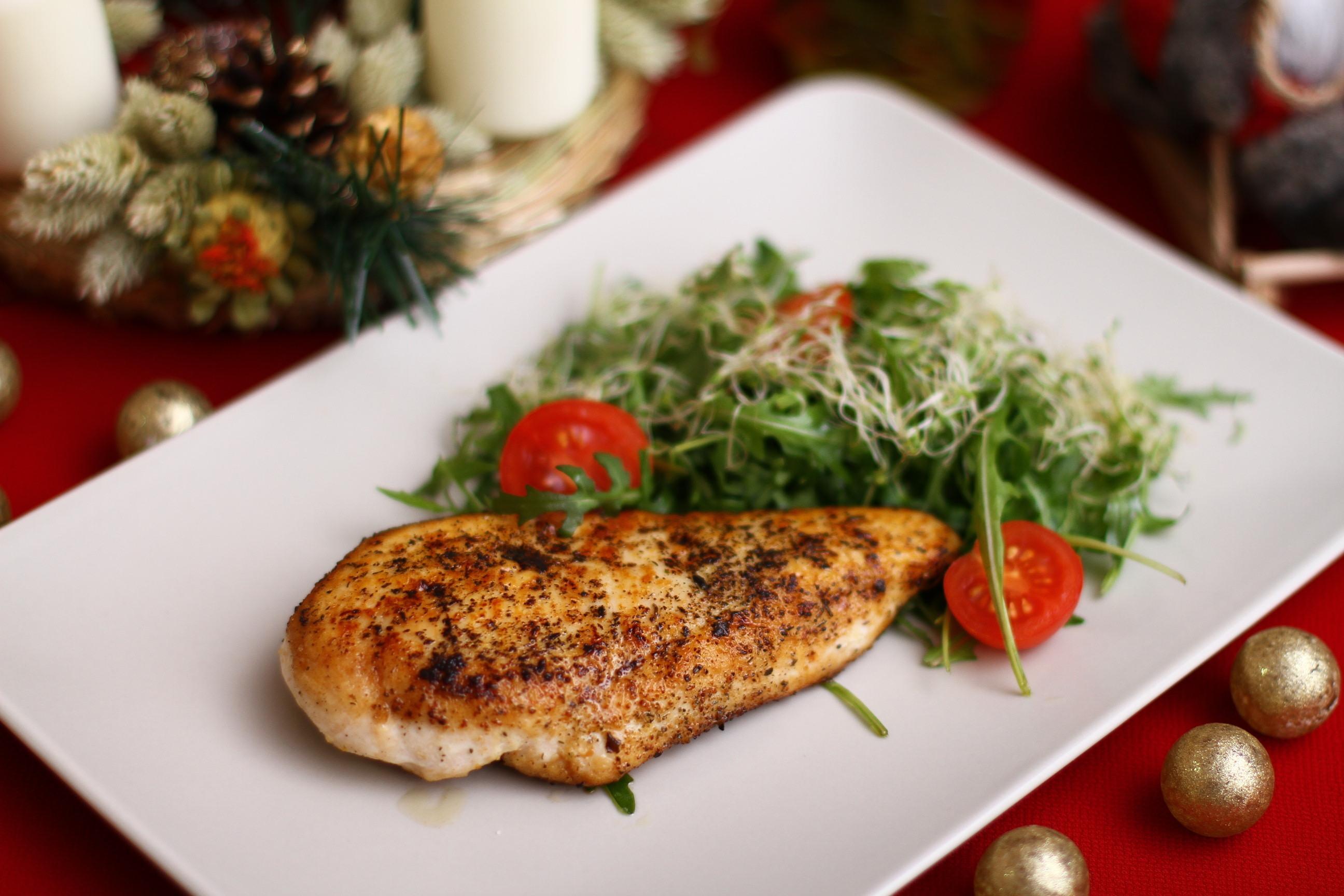 shutterstock_533409394 veckans recept kyckling med julmust julmustkyckling klycklingbröst matrecept.jpg