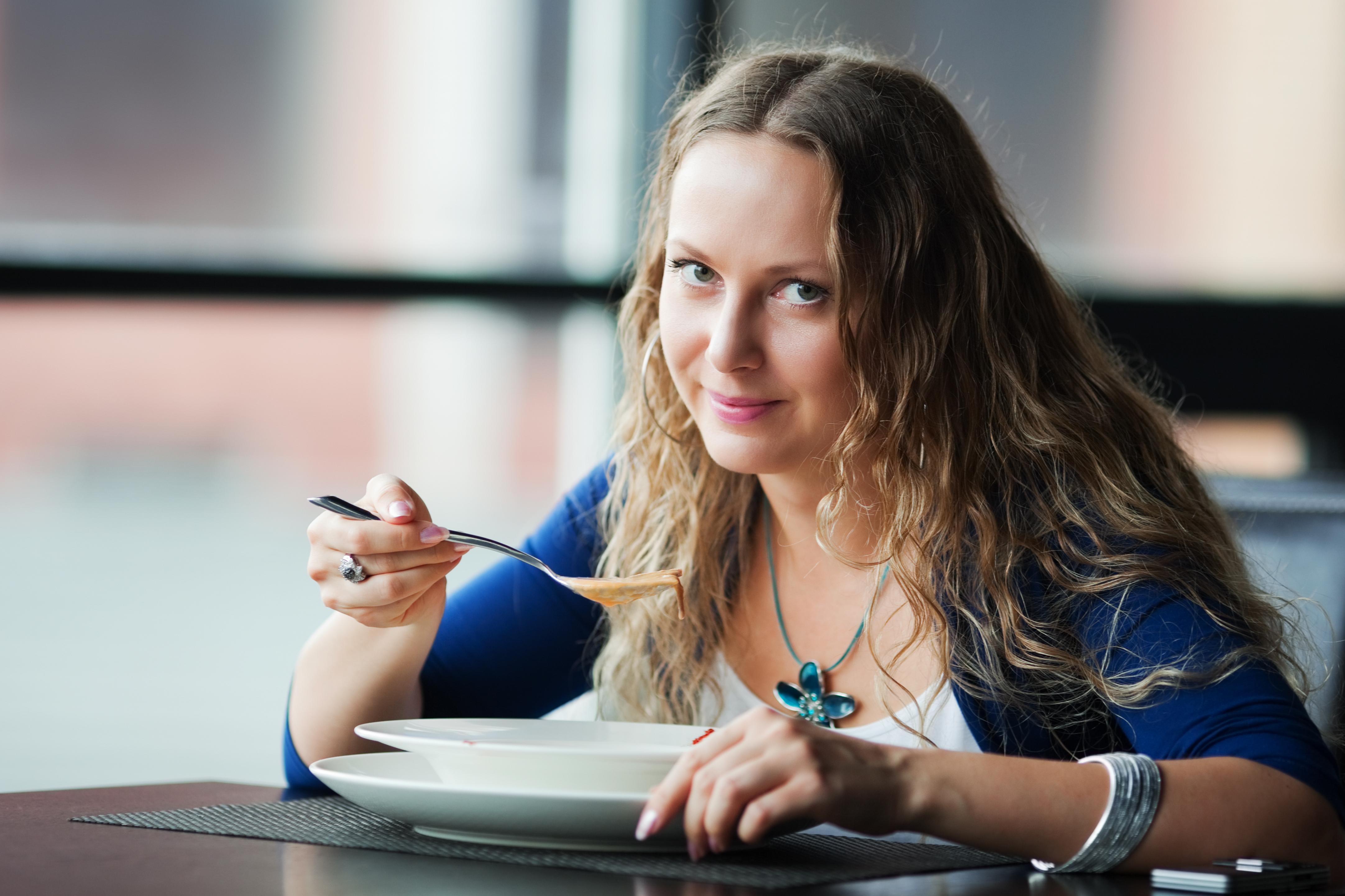 Lågkaloridieter finns till exempel som shakes och soppor och kan ersätta samtliga måltider under en period.
