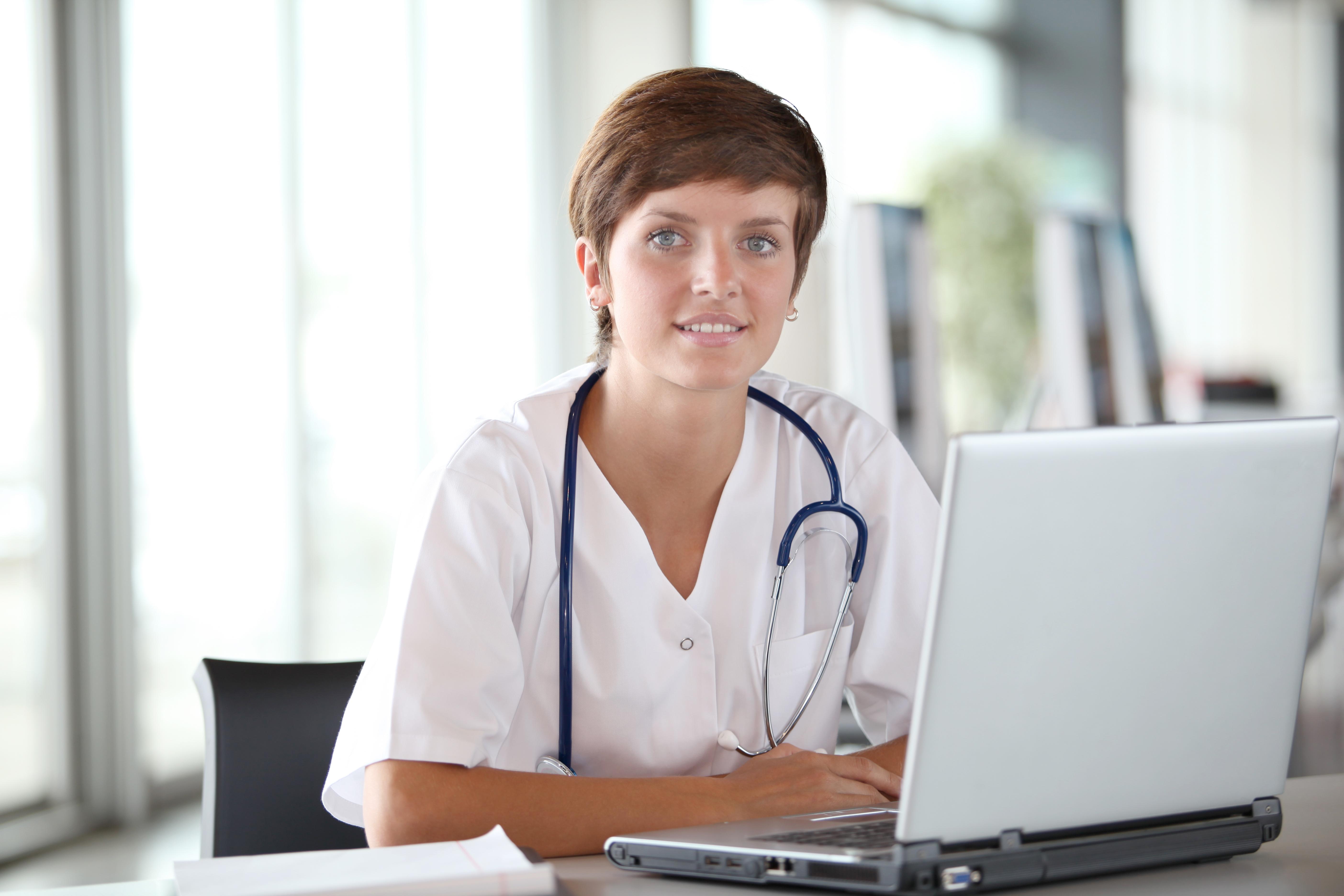 Enligt forskarna bakom studien kan telemedicin leda till att en neurolog hjälpa flera mobila strokeenheter samtidigt.