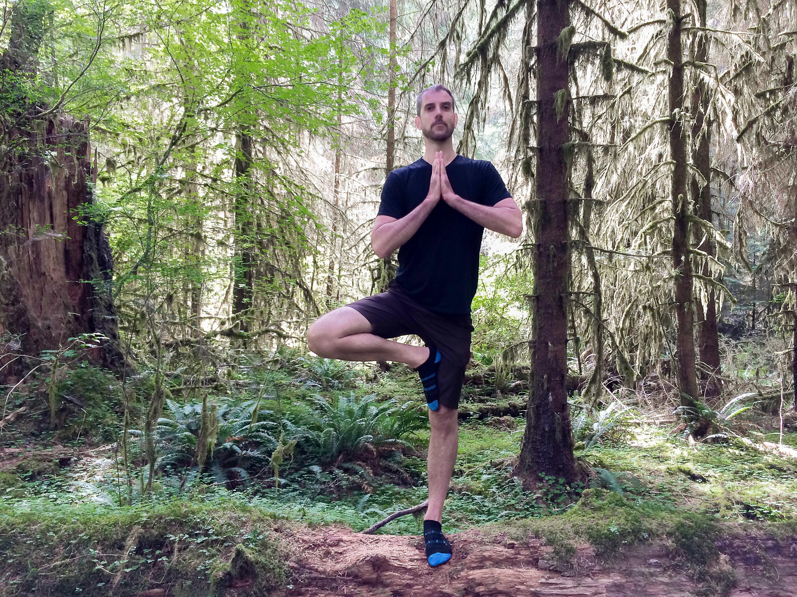 """""""Yoga är verkligen för alla, oavsett ålder, kön, funktionsnedsättningar eller religion. Alla gynnas av de positiva effekterna som yoga kan ge."""""""