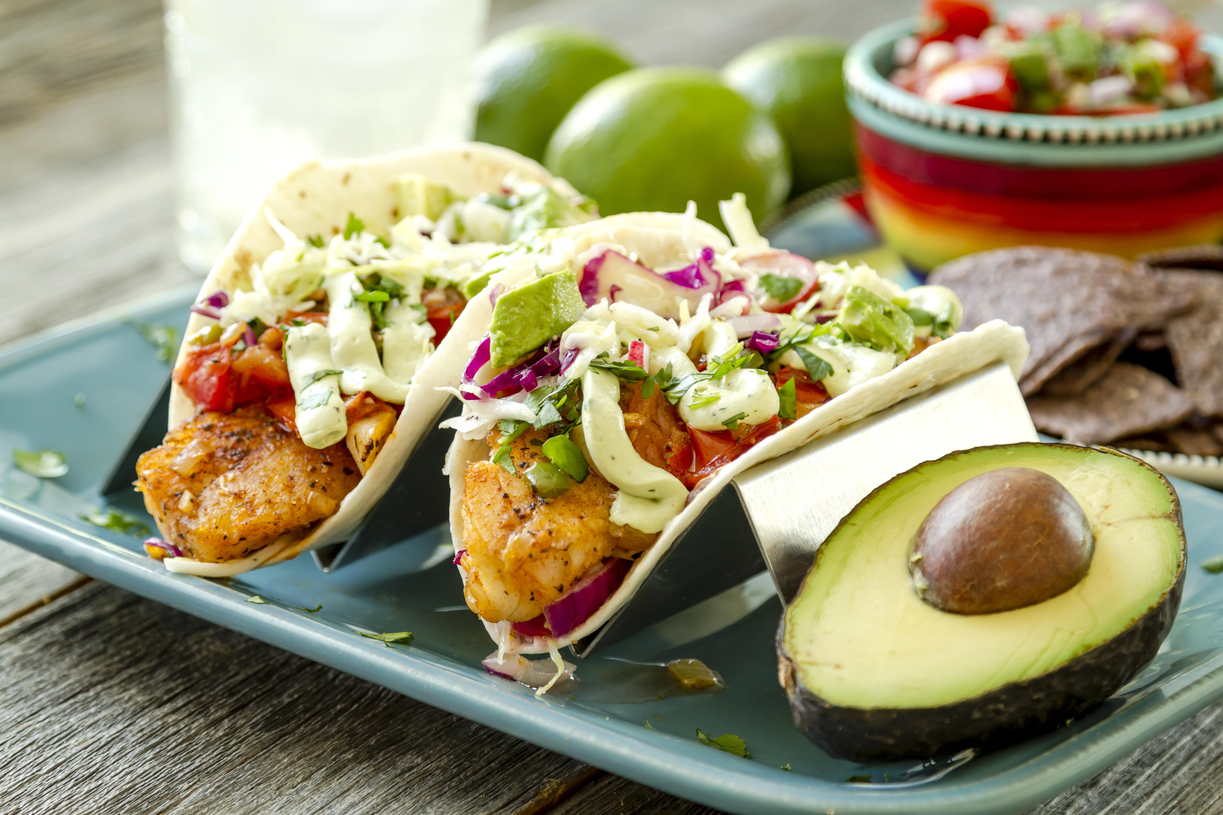 shutterstock_595252676 veckans recept DOKTORN fisktacos fish tacos med torsk fiskrätter mat och hitta fler matrecept.jpg